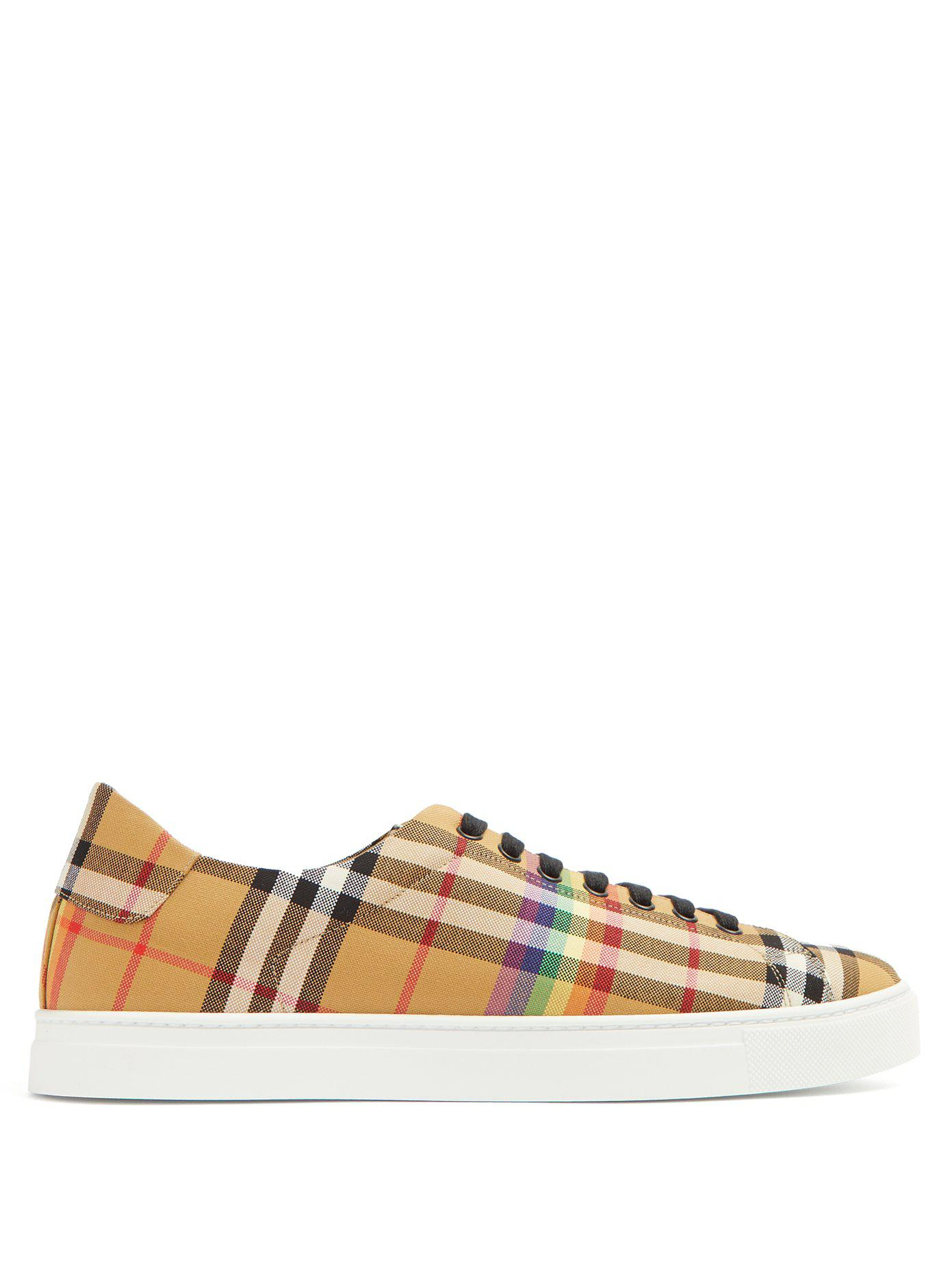 Burberry Chaussures Basses Motif - Multicolore Rhhr48g