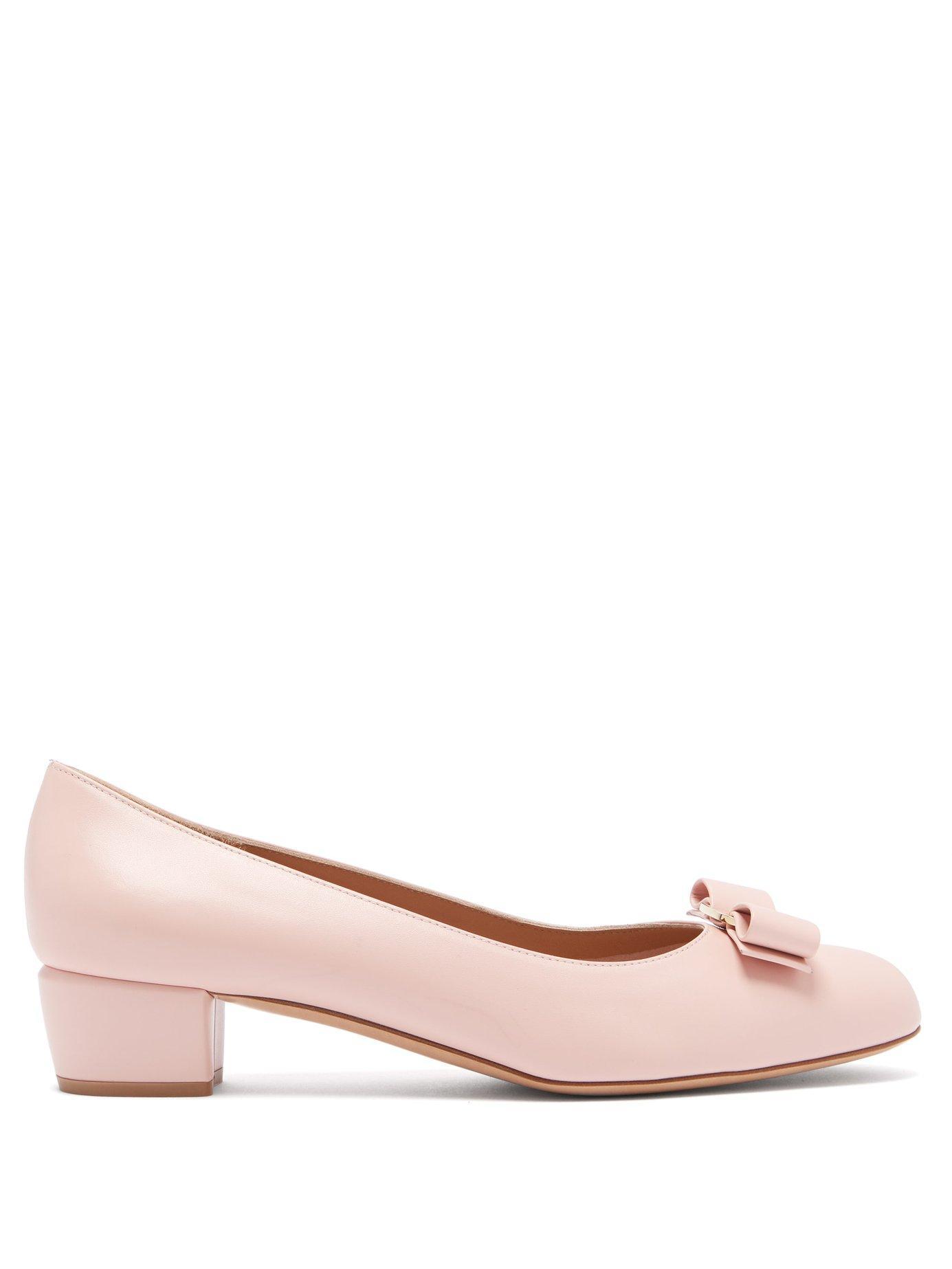 5642235e7c71 Lyst - Ferragamo Vara Leather Pumps in Pink