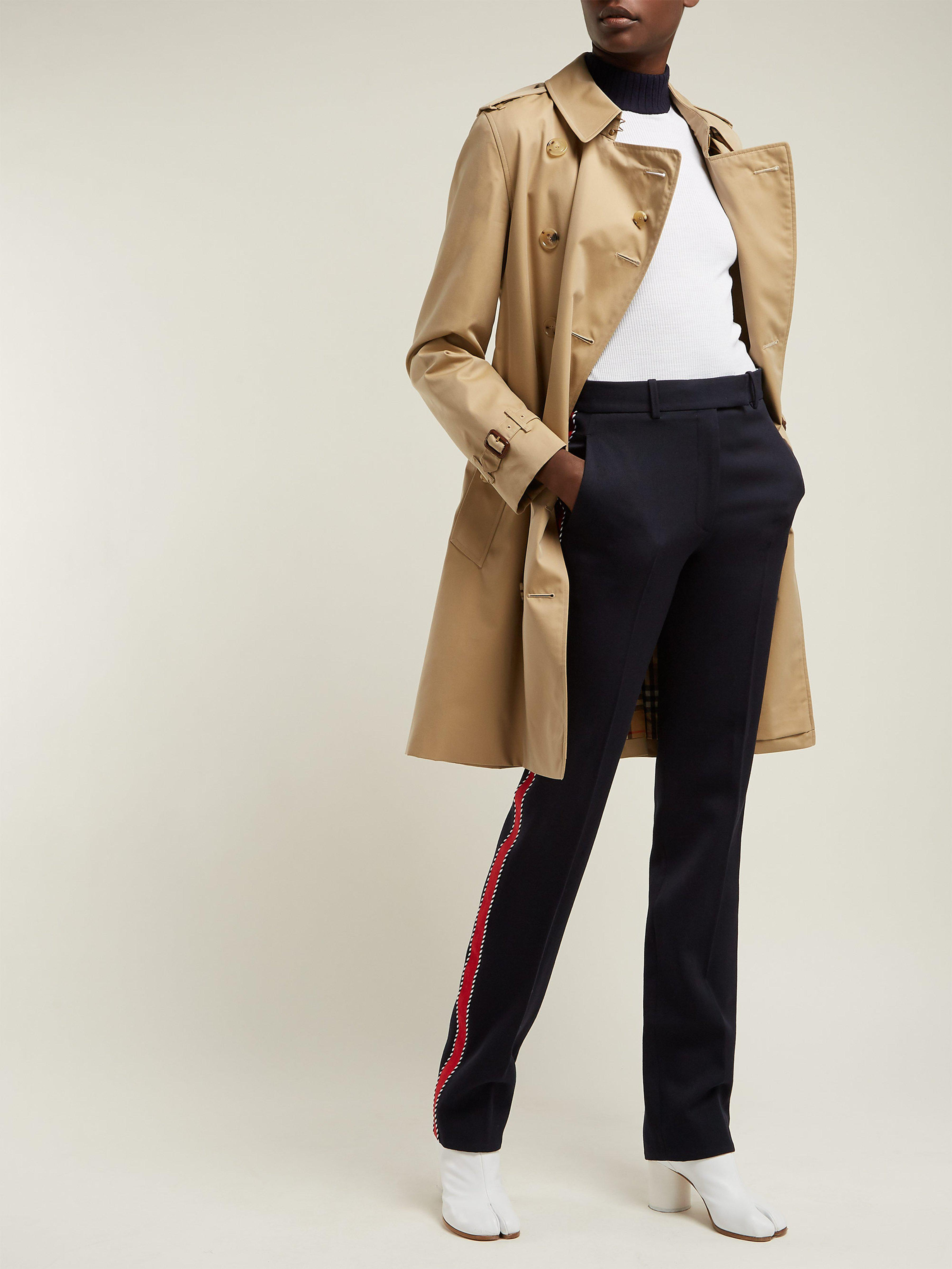 674aac7d9 Burberry Kensington Cotton Gabardine Trench Coat in Natural - Lyst