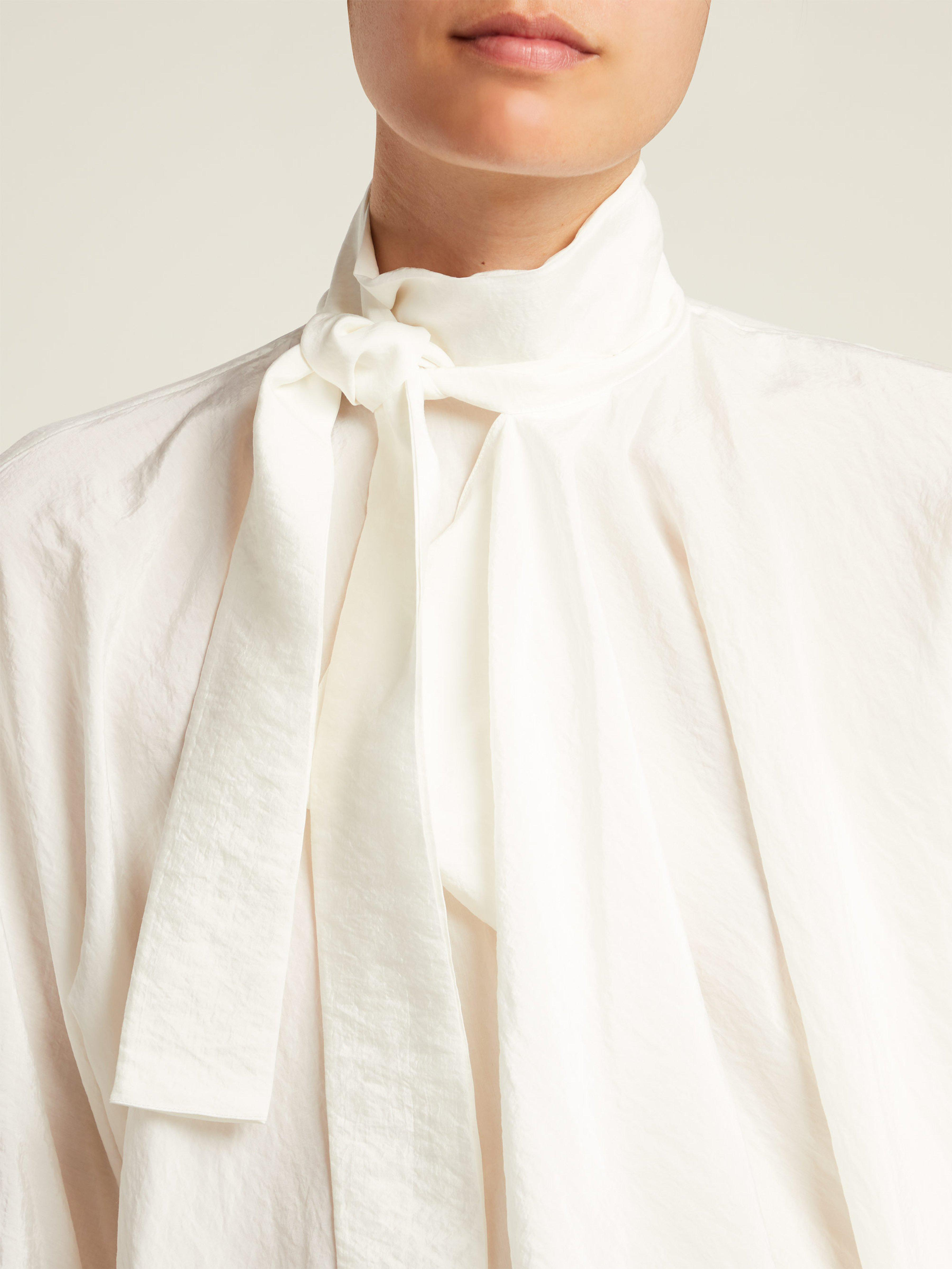 adb1917d1ffa95 Lemaire Neck-tie Silk-blend Blouse in White - Lyst