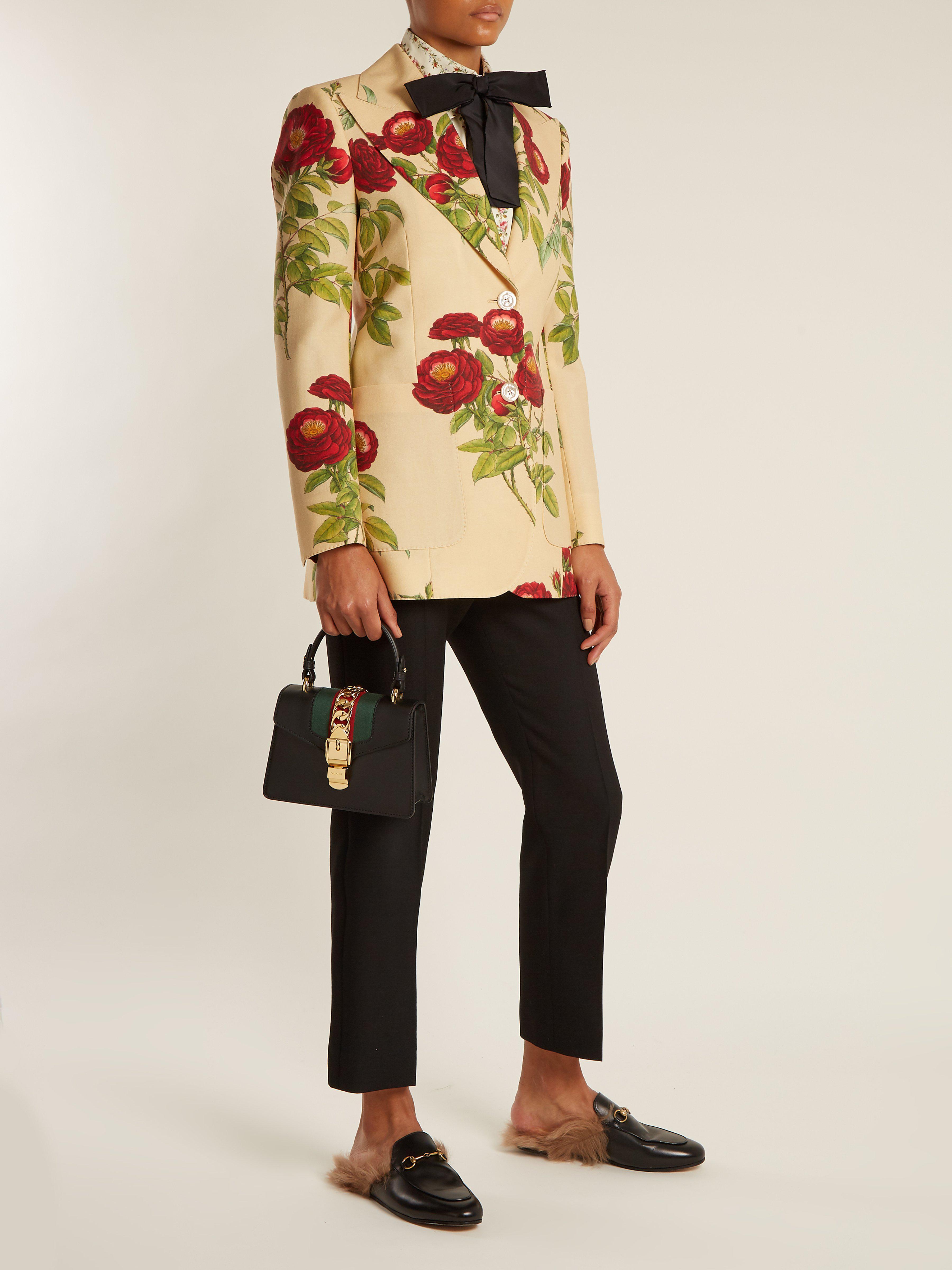 705714c7890 Lyst - Sac porté épaule en cuir Sylvie mini Gucci en coloris Noir