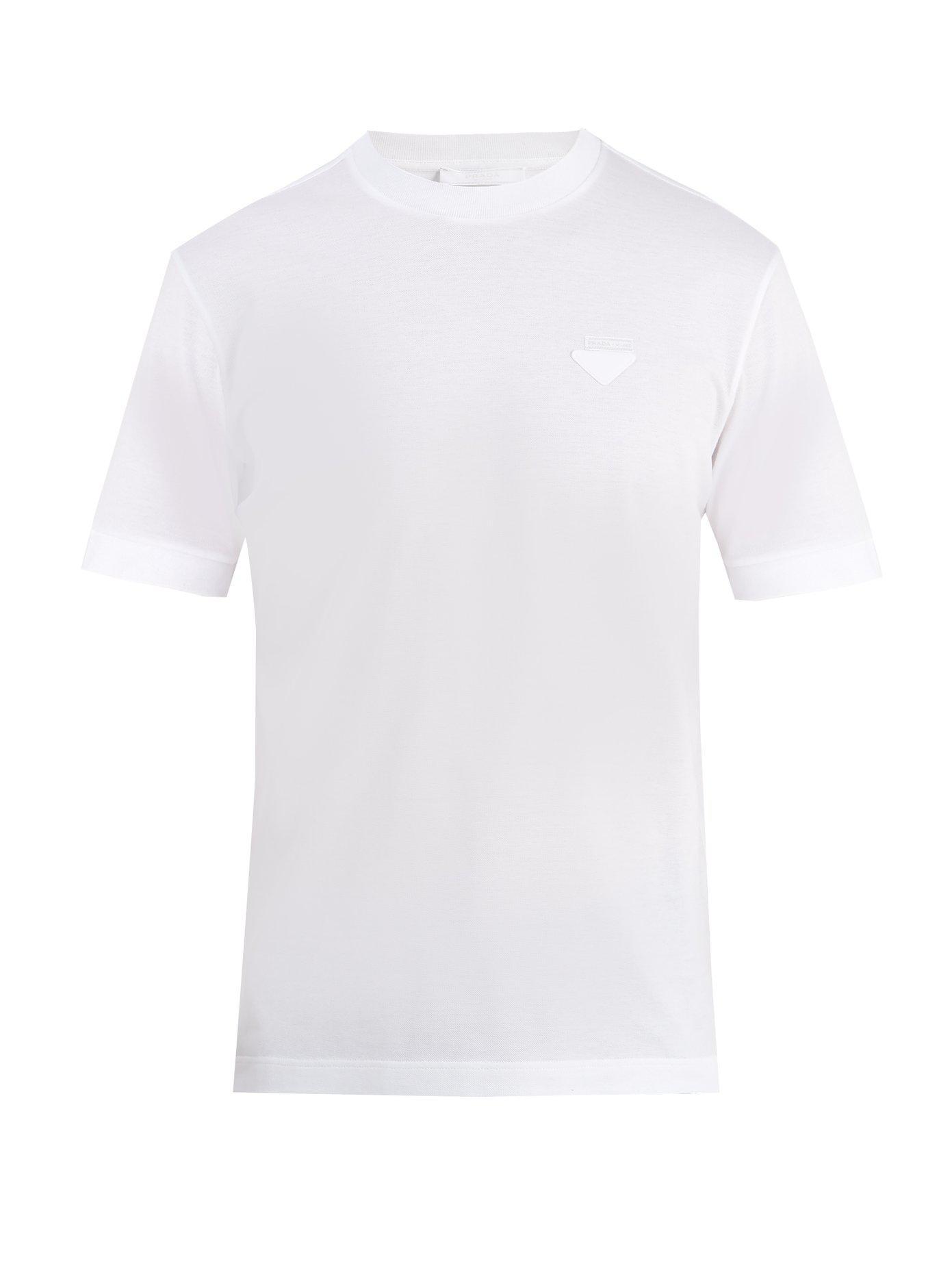 56550432fd71 Lyst - T-shirt en coton à écusson orné du logo Prada pour homme en ...