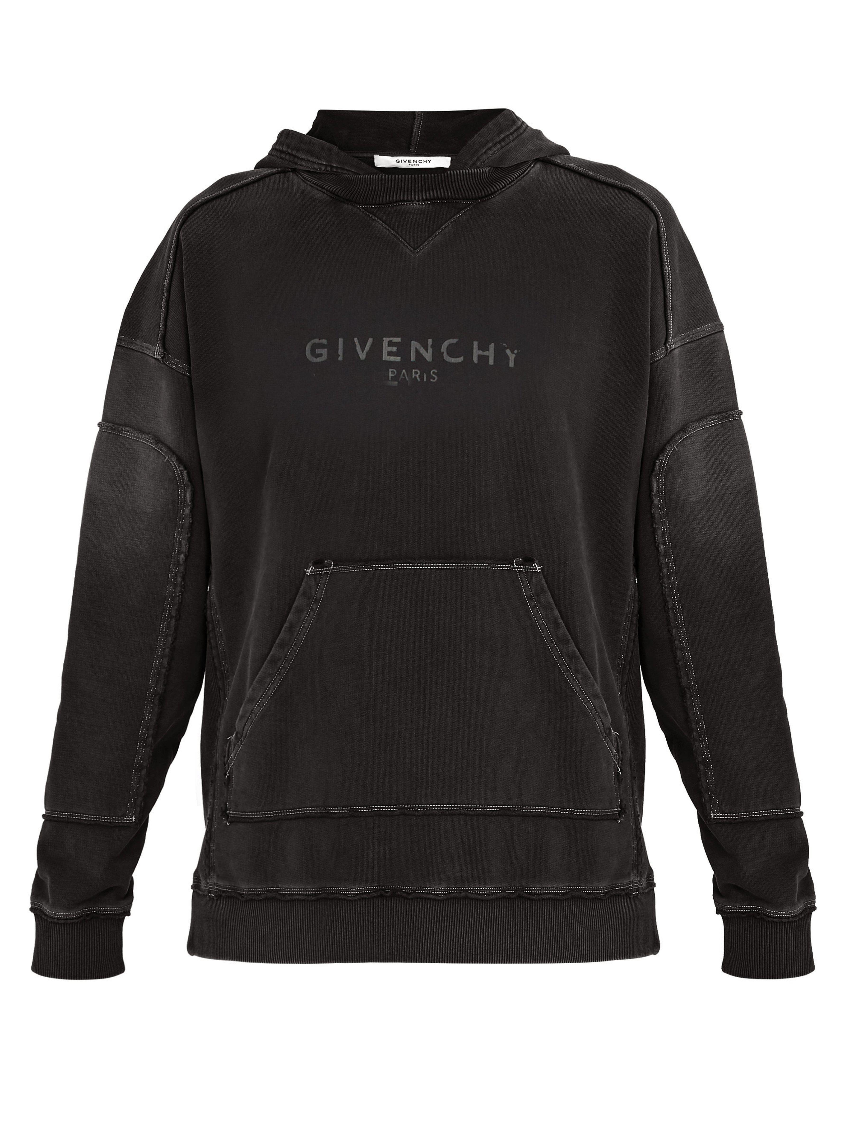 51c71f5fb6f Lyst - Sweat-shirt en coton à imprimé logo effet vieilli Givenchy ...