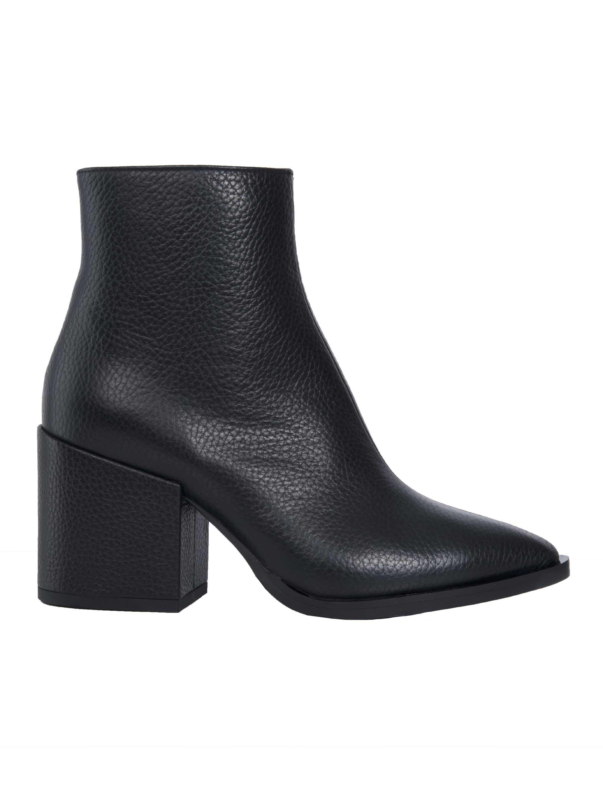 f09b9e3a47b6 Lyst - Mcq Alexander Mcqueen Pebbled Pointed Ankle Boots in Black