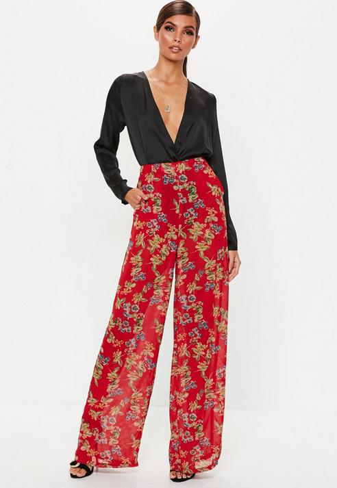 9d0f81d6bc5d Missguided Red Floral Print Pleat Wide Leg Trousers in Red - Lyst