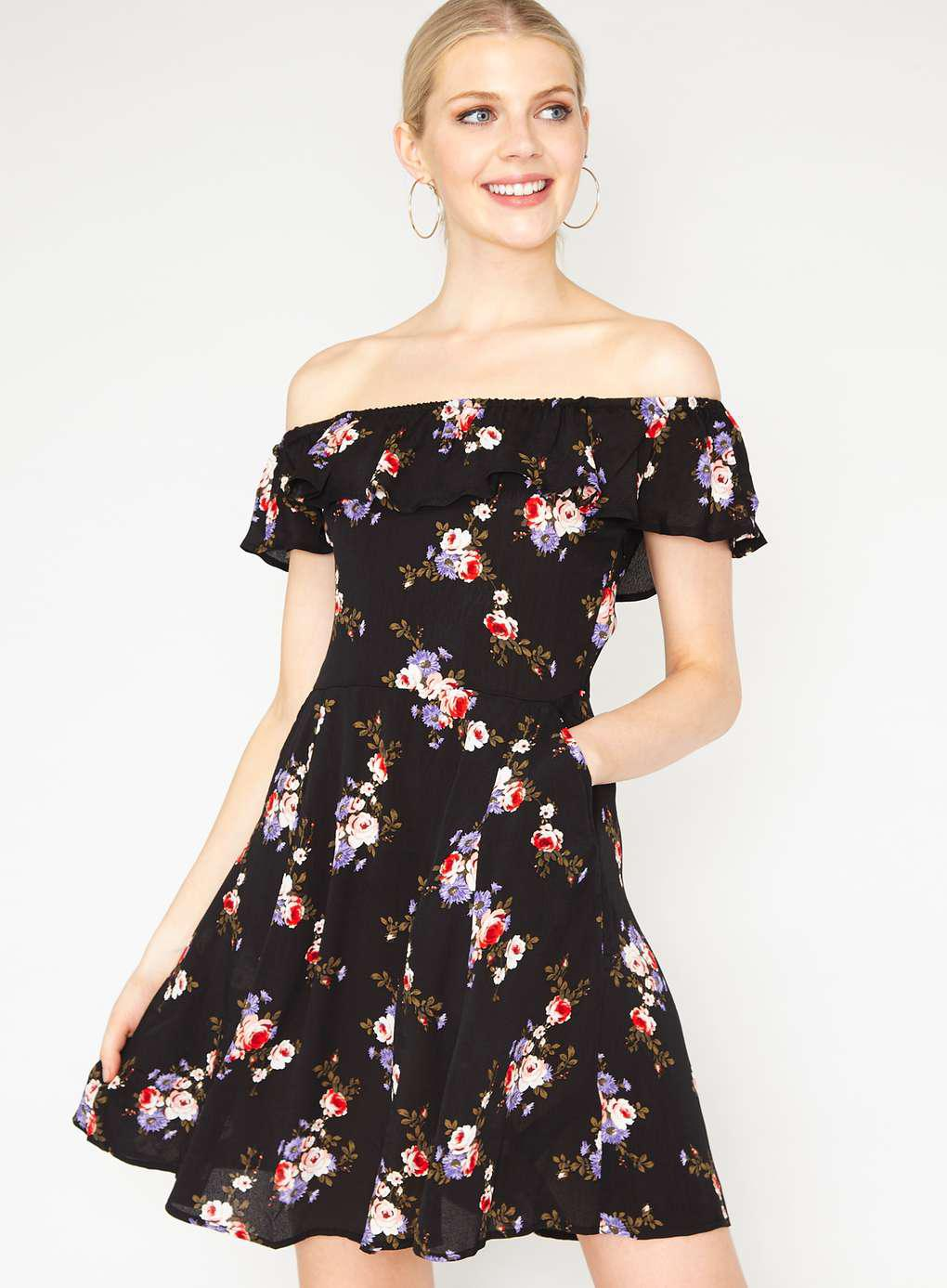 e69bbc3379b Gallery. Previously sold at  Miss Selfridge · Women s Skater Dresses ...