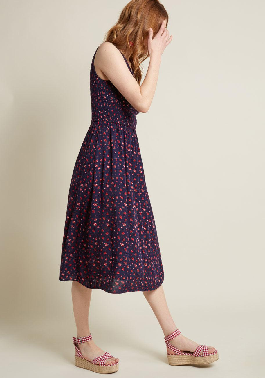 Lyst - ModCloth Free To Glee Smocked Dress in Blue
