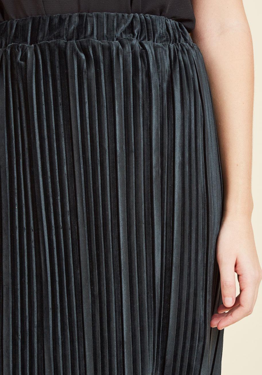 5b14d9d69885a4 Lyst - ModCloth Deepest Dreams Velvet Skirt in Black