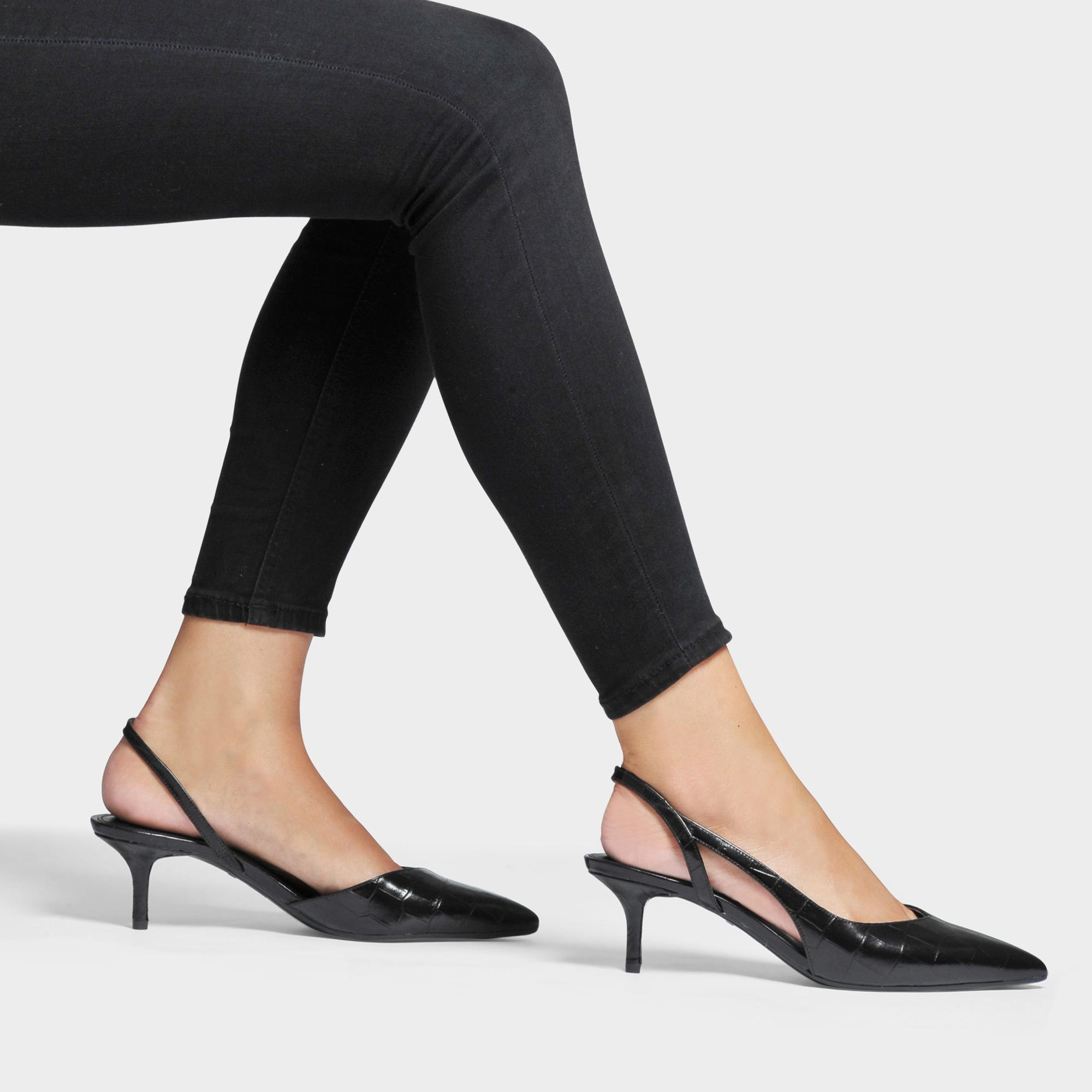 68722ca26cc Lyst - MICHAEL Michael Kors Eliza Kitten Pumps In Black Leather in Black