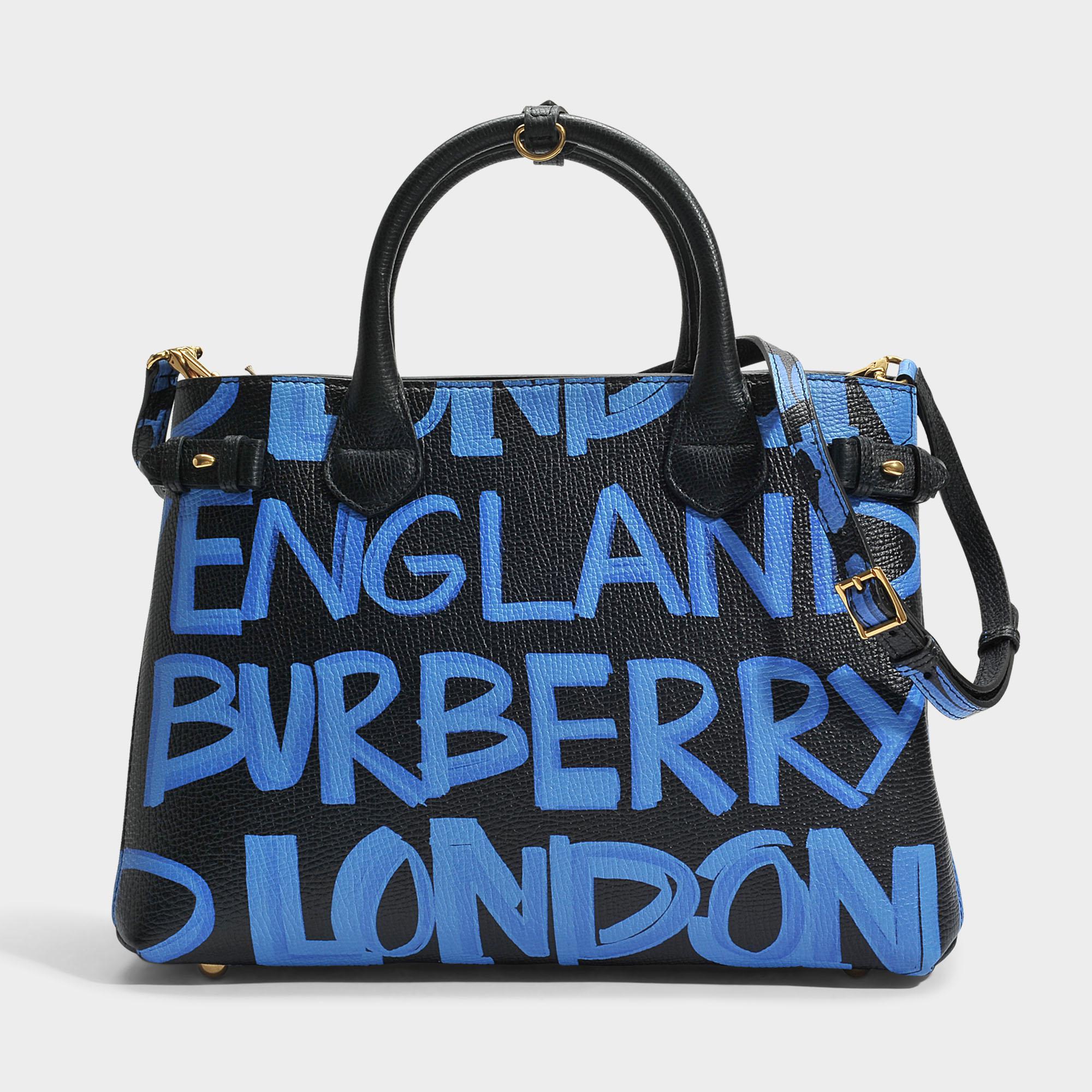 The Medium Banner in Graffiti Print Leather - Black Burberry 2bZlbpm3