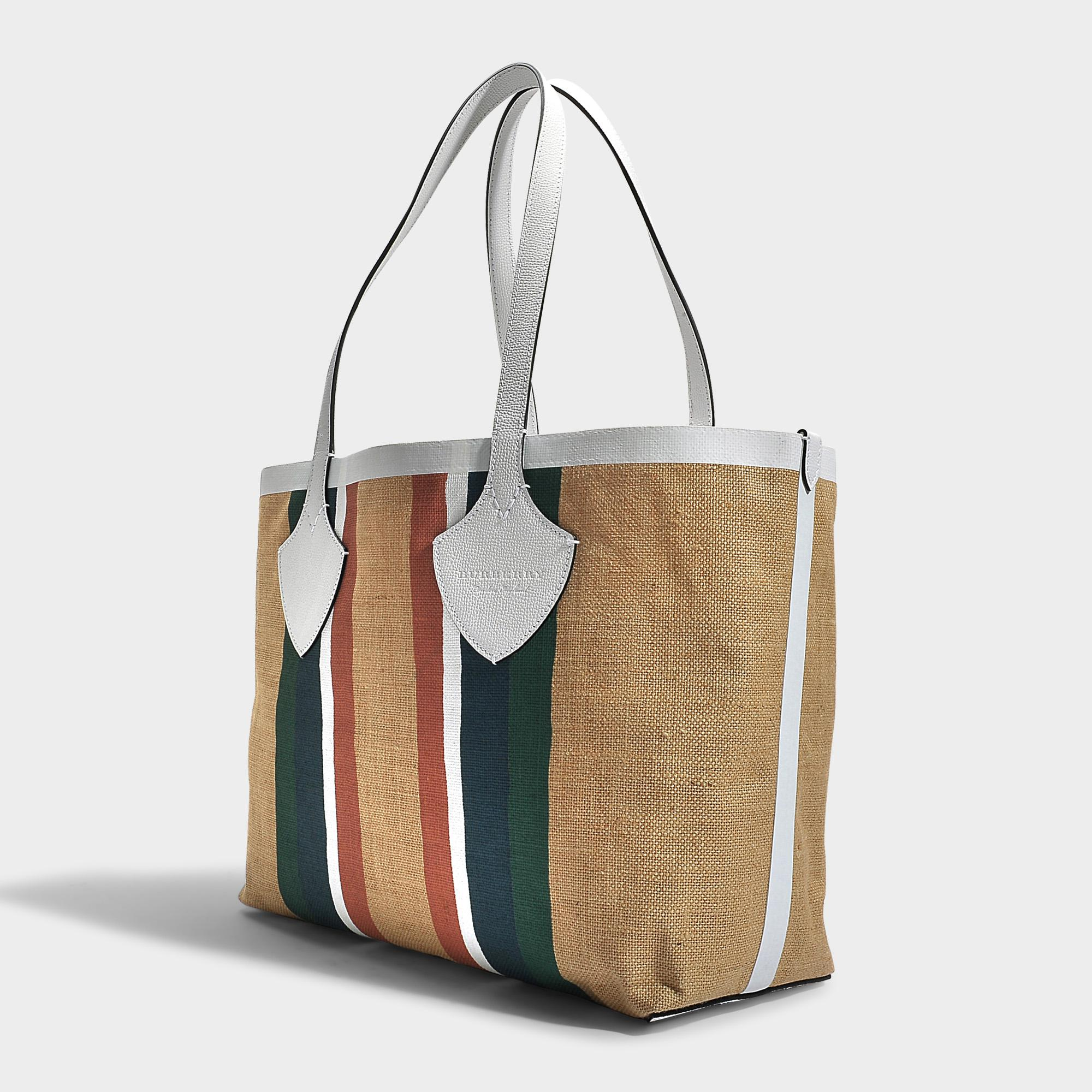 7df43e9440ce Lyst - Burberry The Giant Medium Tote Bag In Chalk White Jute Stripes