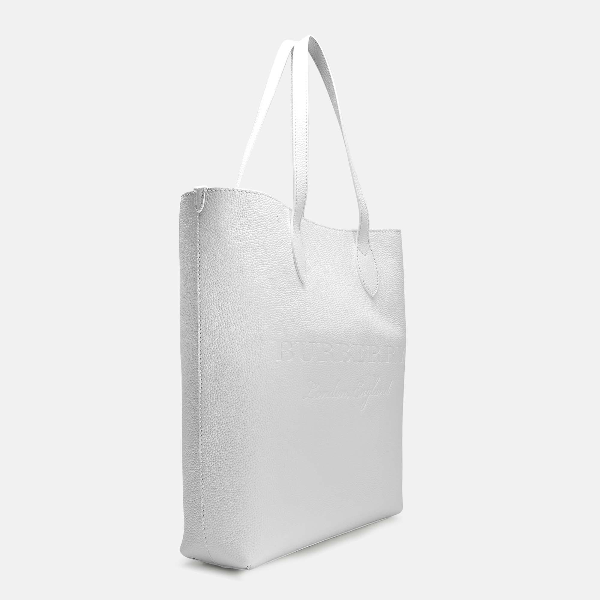 Lyst - Burberry Large Remington Tote Bag In Chalk White Grained Calfskin 3248b4fabd118