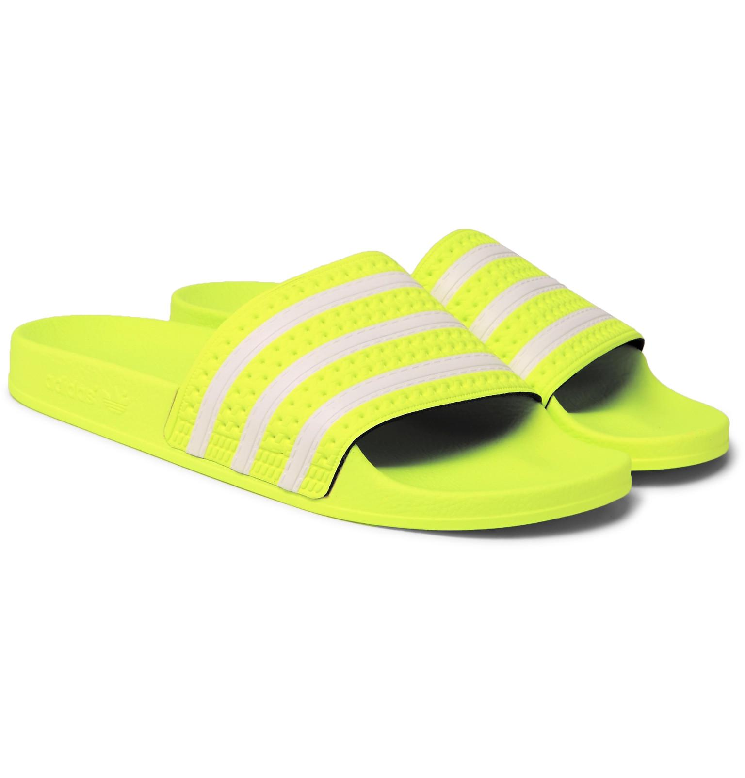 89b74bfff7bcc8 Adidas Originals Adilette Textured-rubber Slides in Yellow for Men ...