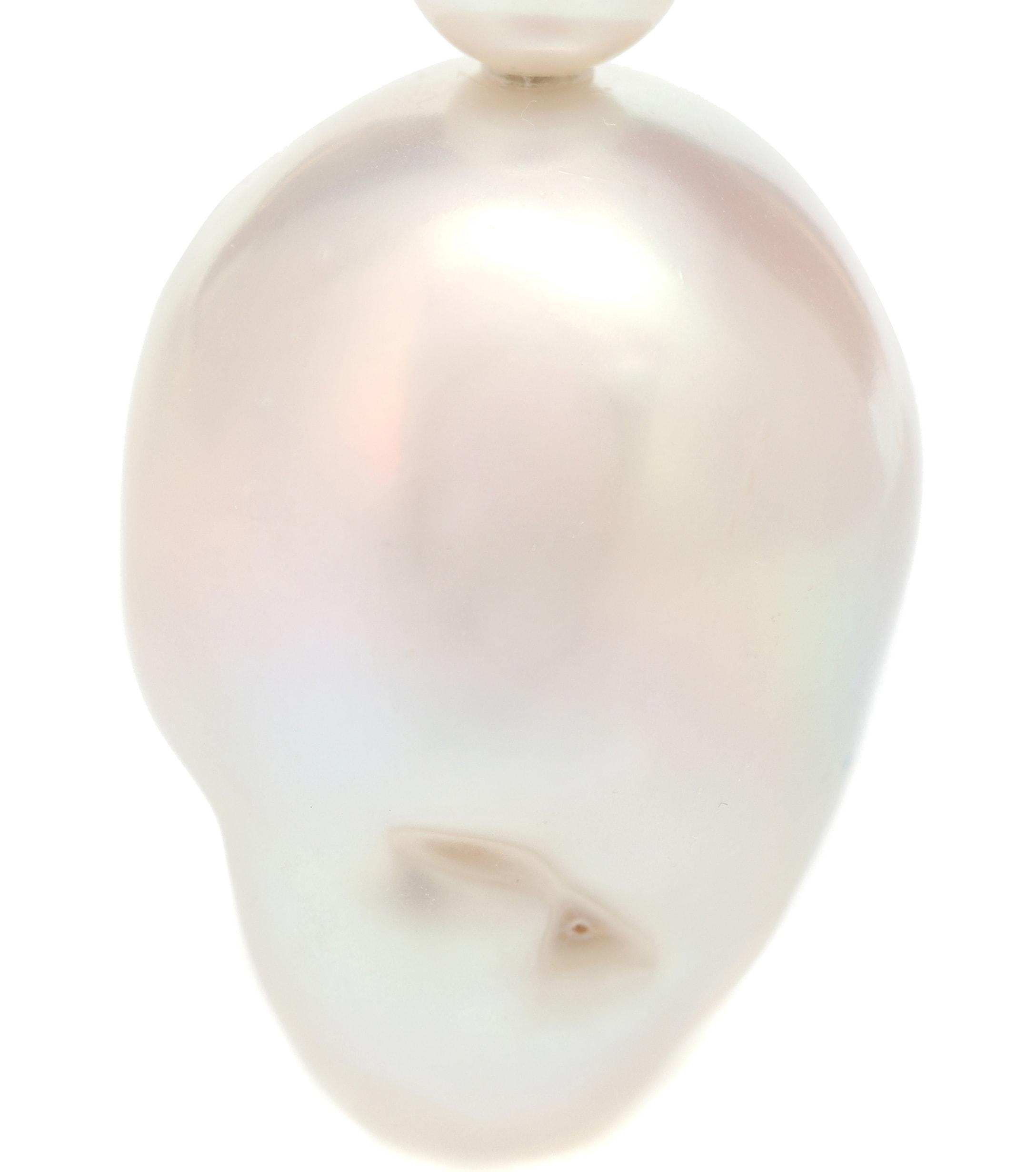 dd44c8e752b7 Arete único Venus de oro de 14 ct con perlas Sophie Bille Brahe de ...