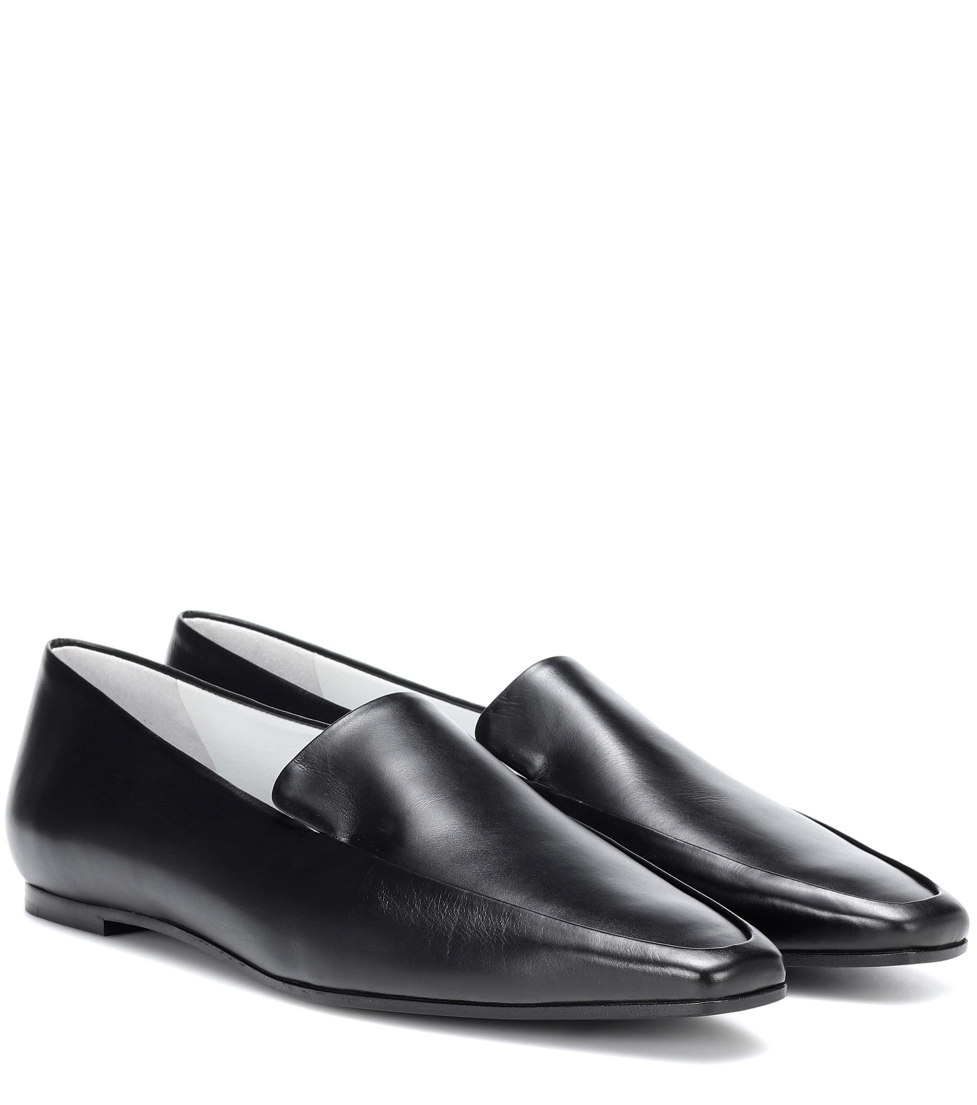 cf2324e7c2d The Row Minimal Leather Loafers in Black - Lyst