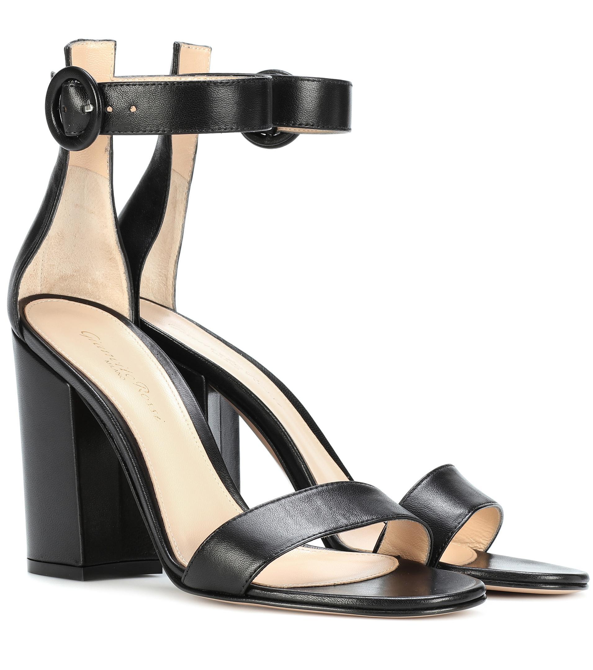 6197f3bf5642 Gianvito Rossi Versilia Leather Sandals in Black - Lyst