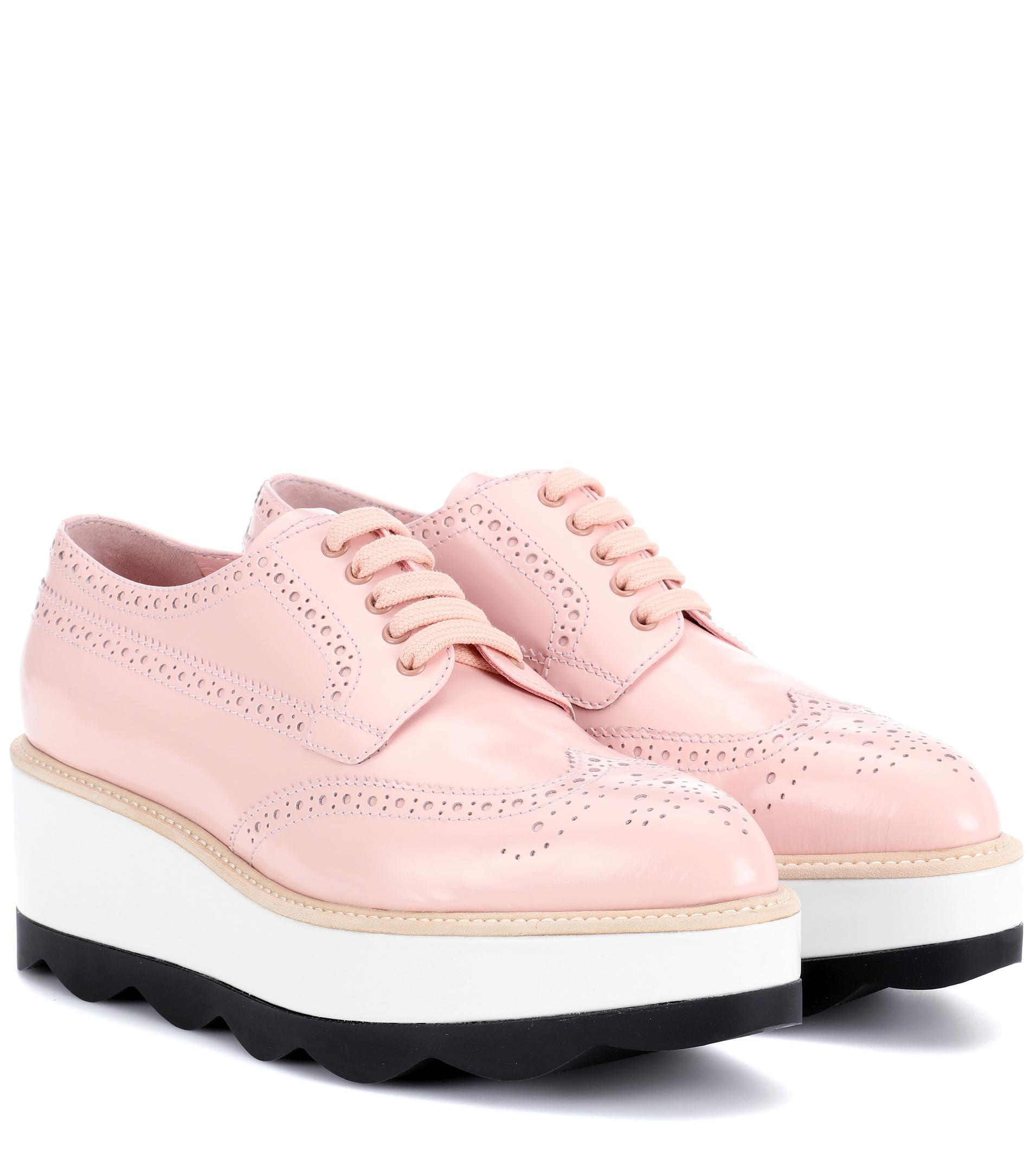1cd122f632b1 Prada Leather Platform Oxford Shoes in Pink - Lyst