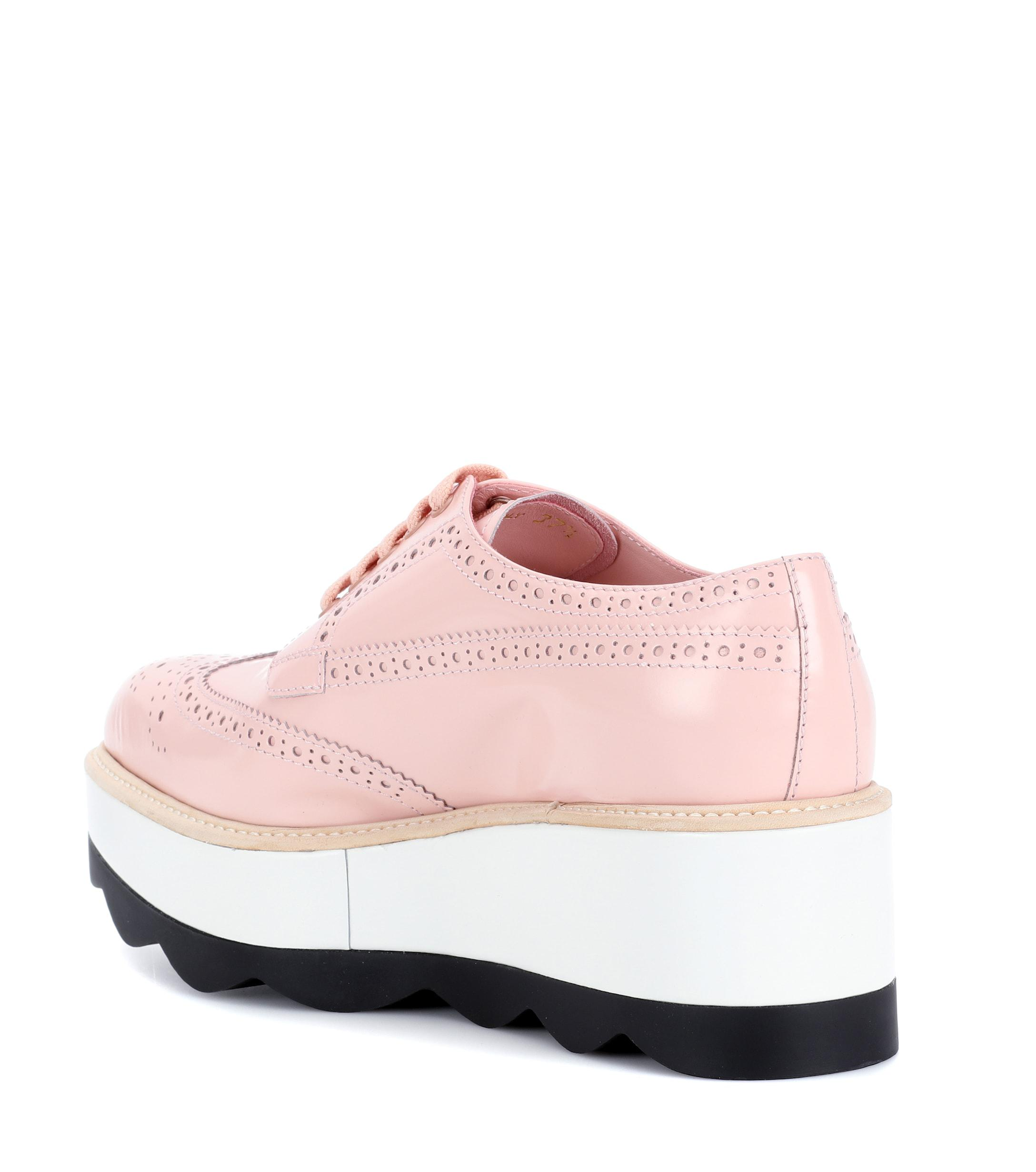 313dba74a3b2 Lyst - Prada Leather Platform Oxford Shoes in Pink