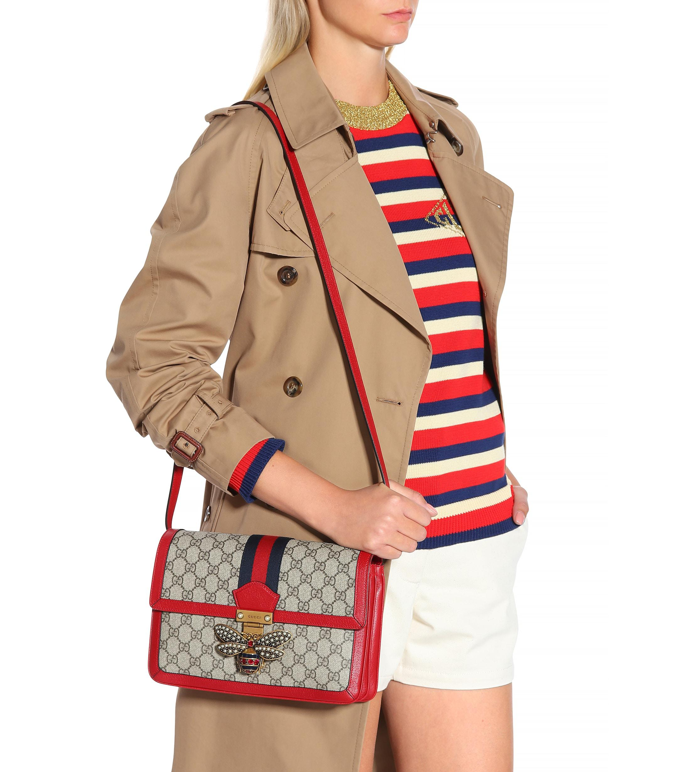72d06c26bf1d Gucci Queen Margaret GG Supreme Medium Shoulder Bag in Red - Lyst