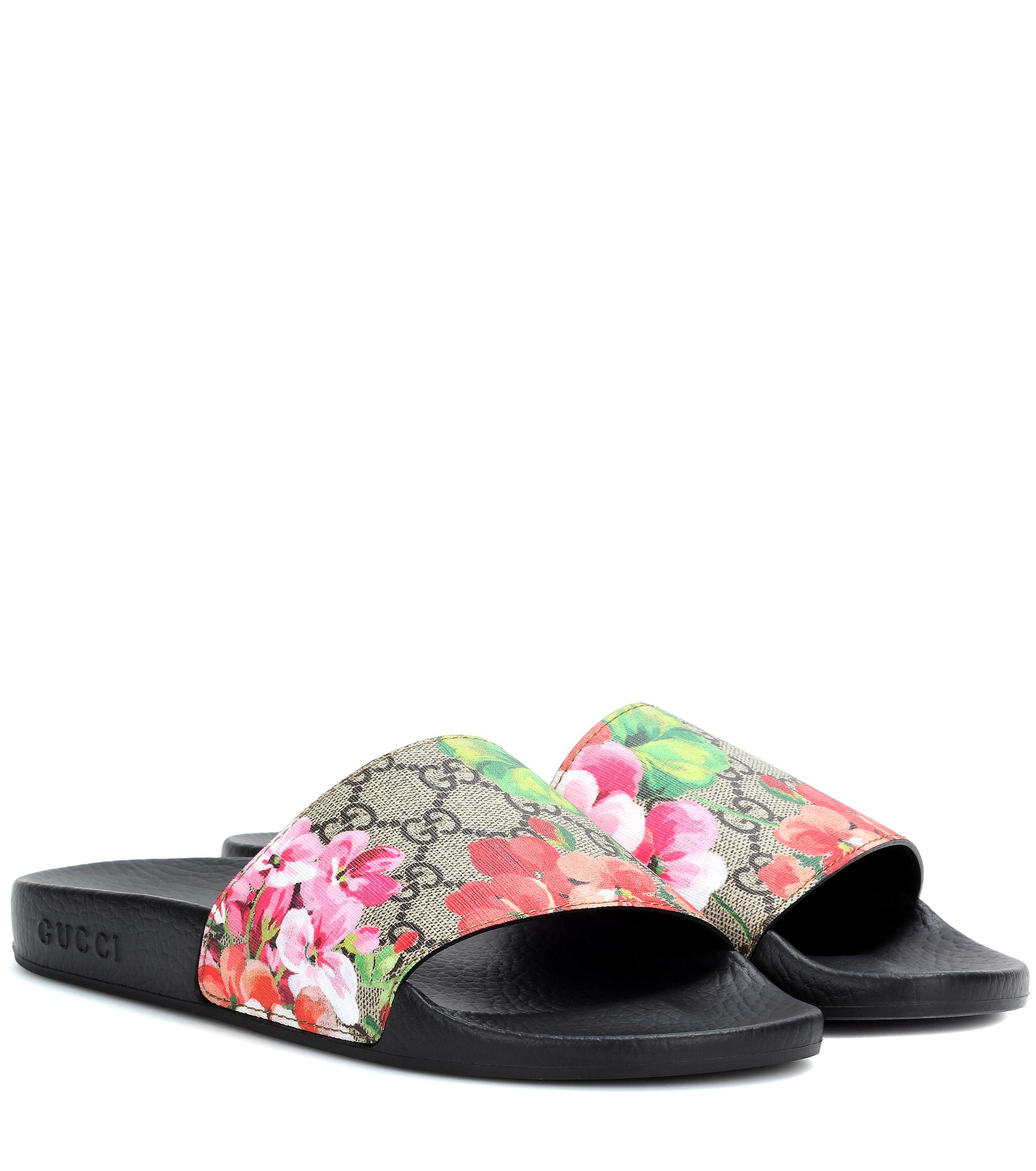 4d208e5f6ea49 Lyst - Gucci GG Blooms Supreme Slides