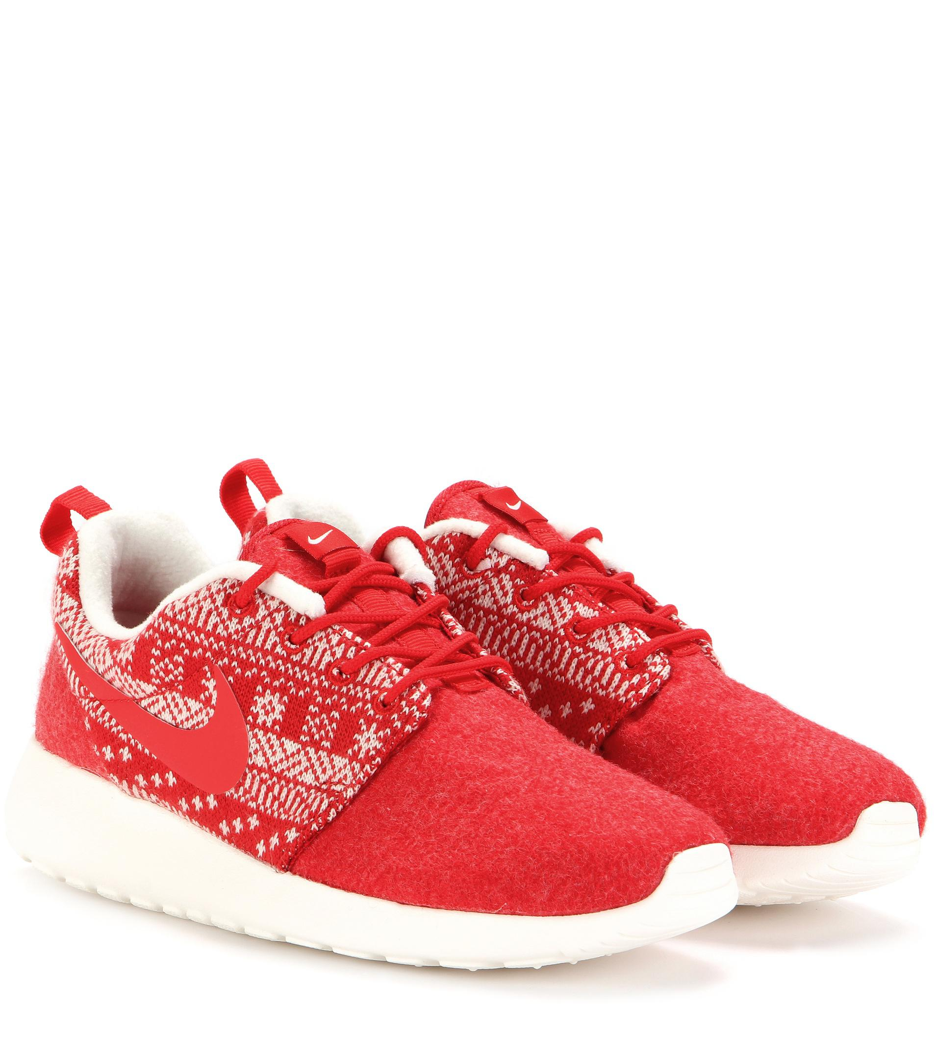 newest 623f8 956e0 Lyst - Nike Roshe One Winter Sneakers in Red