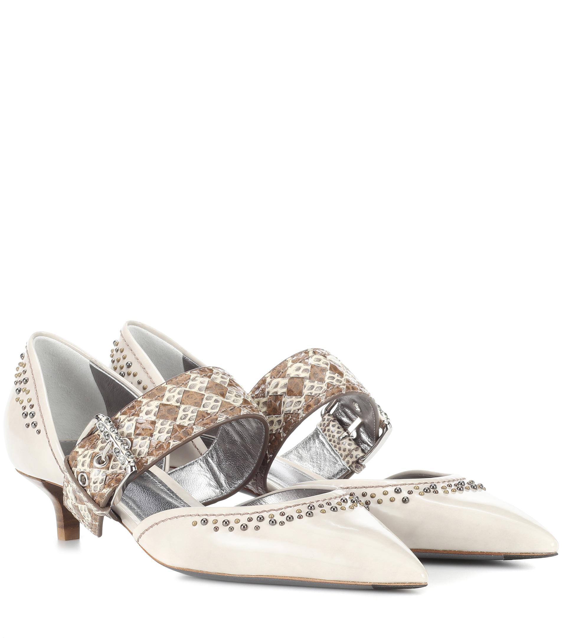 Bottega Veneta Leather and snakeskin pumps 01EHDzJ5W