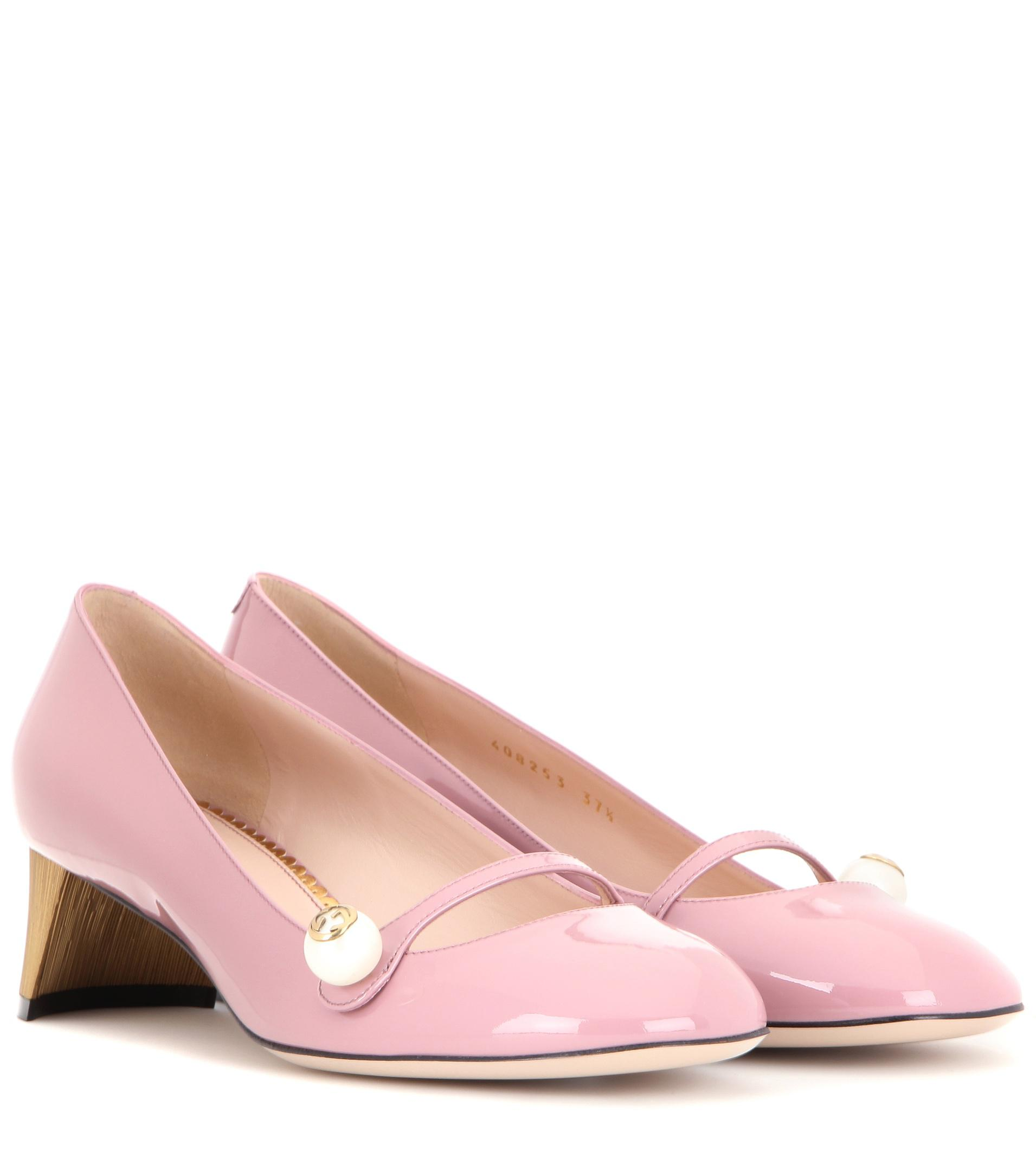 b43f904afe2e Lyst - Gucci Arielle Embellished Patent Leather Pumps in Pink