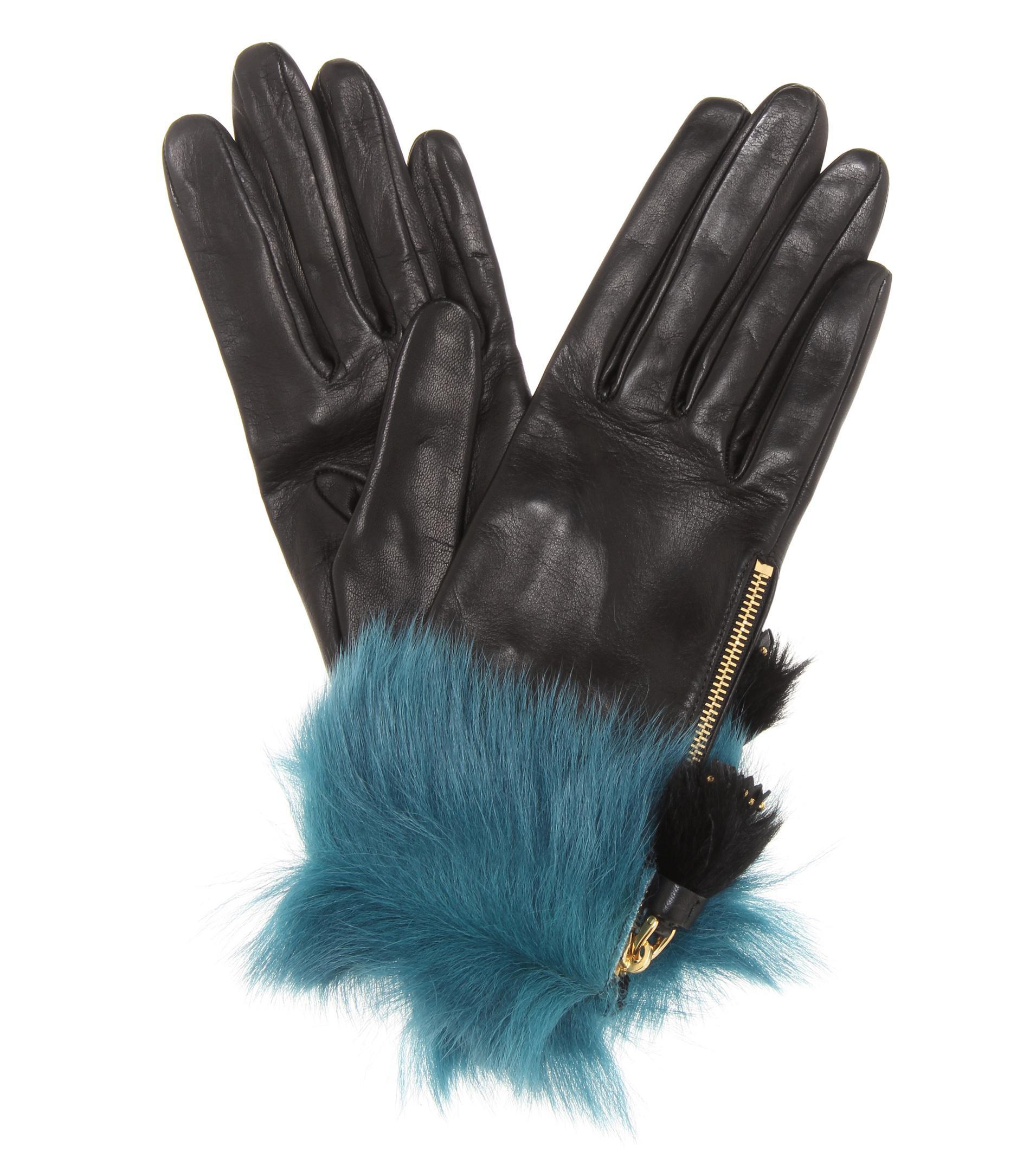 4aae94d3a3553 Prada Handschuhe aus Leder mit Pelz in Schwarz - Lyst