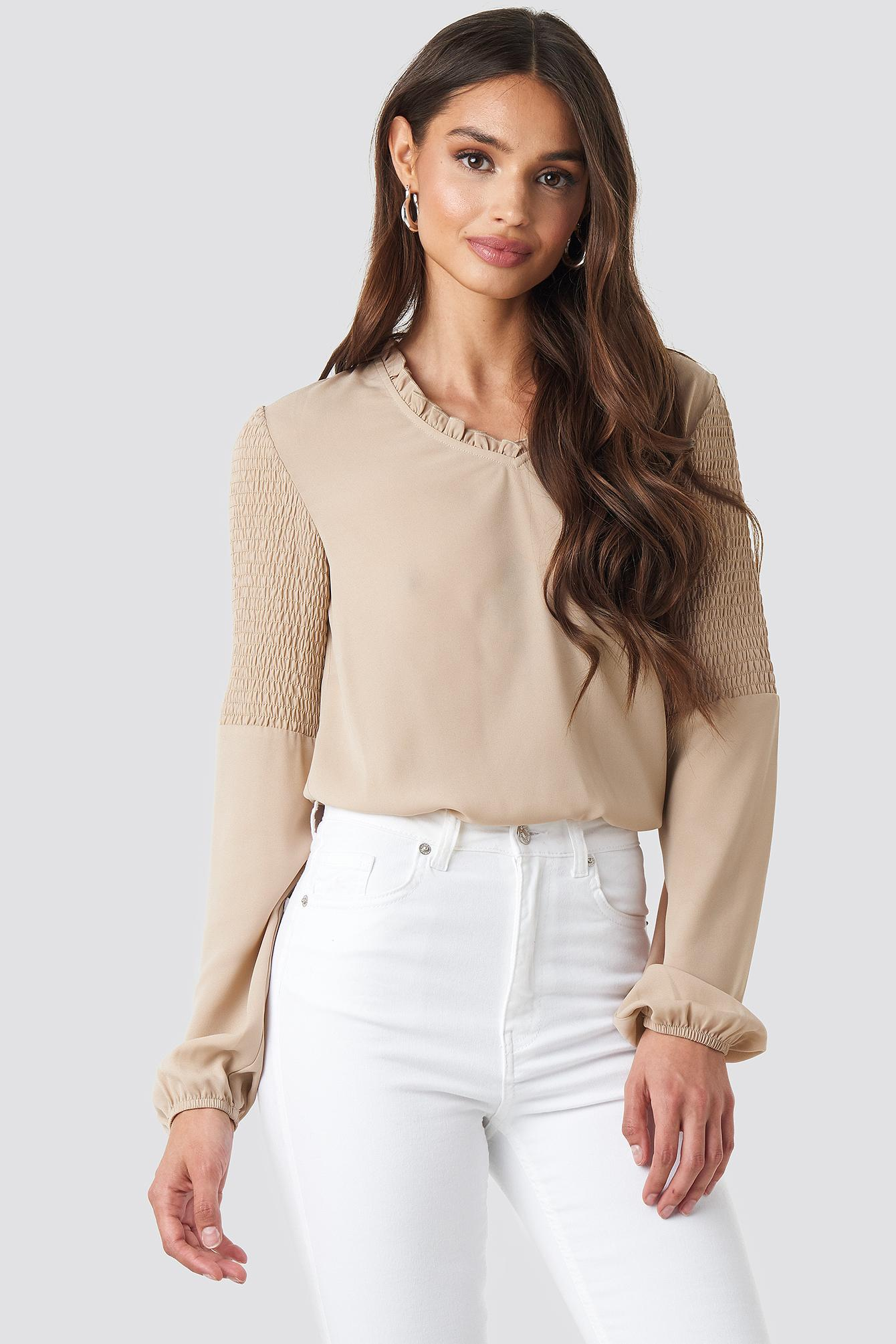 c958eeea05ac41 NA-KD Frill Neck Shirred Part Blouse Beige in Natural - Lyst