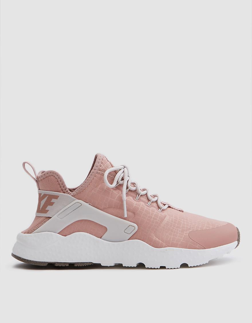 ae41e183e02d2 ... city low sneaker a9cdc 2750c  promo code lyst nike air huarache run  ultra in pink cd875 e7408
