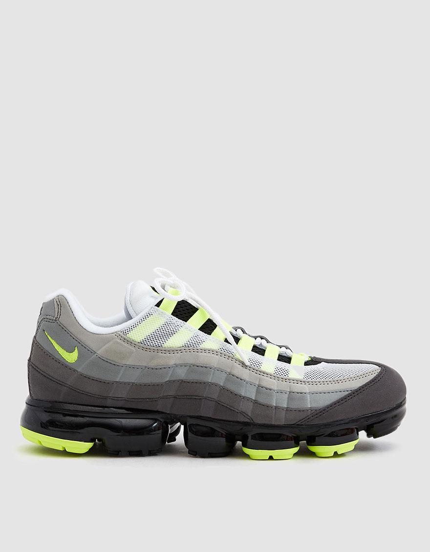 Lyst - Nike Air Vapormax  95 Sneaker in Black for Men 5fd3a4ba0