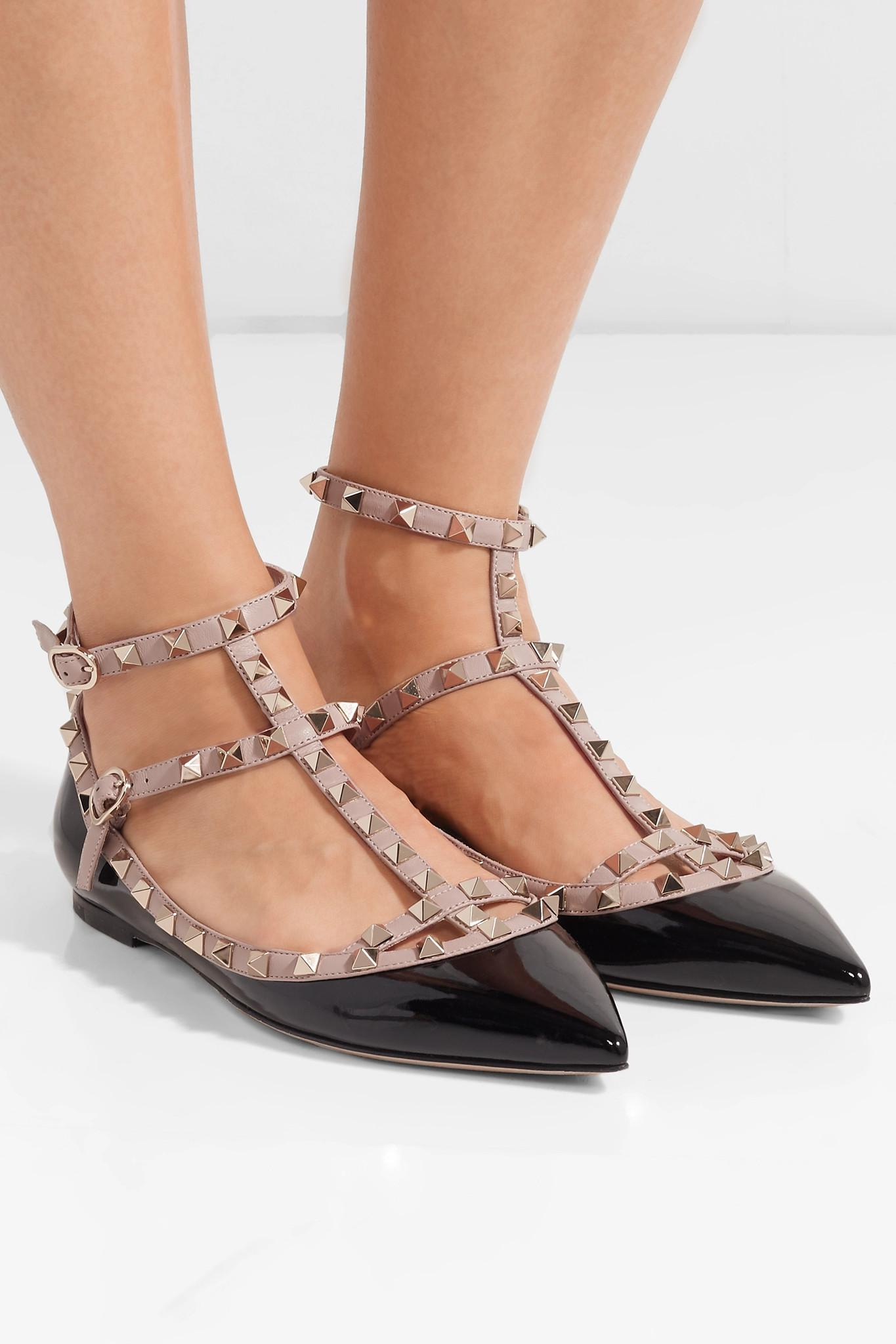 59fe1af331 Valentino Garavani The Rockstud Patent-leather Point-toe Flats in ...