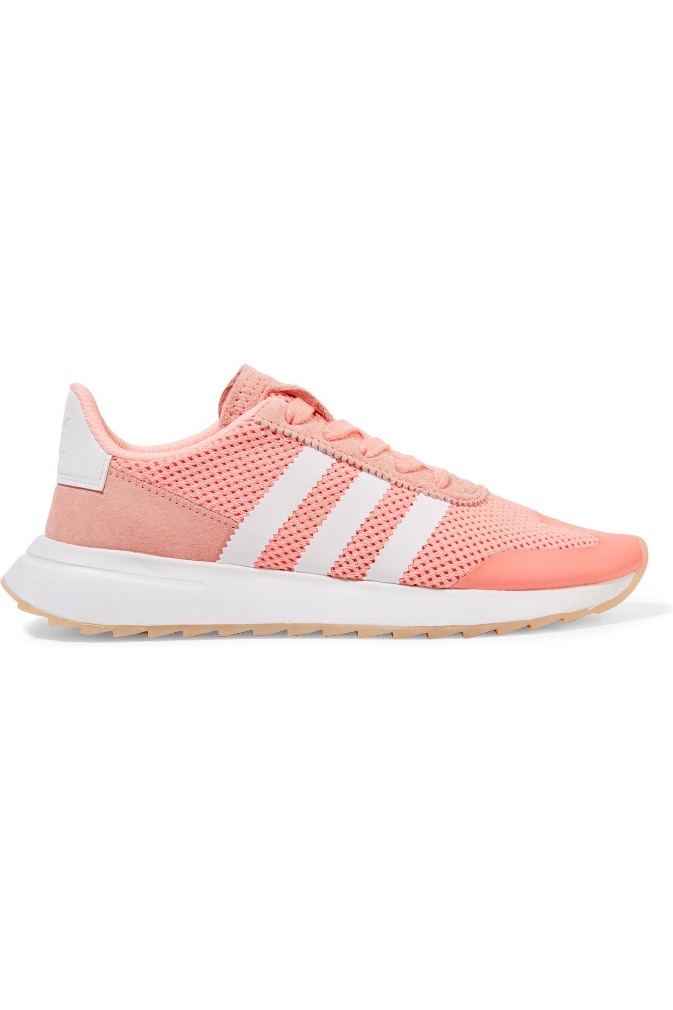 lyst adidas flashback delle scarpe rosa camoscio potato