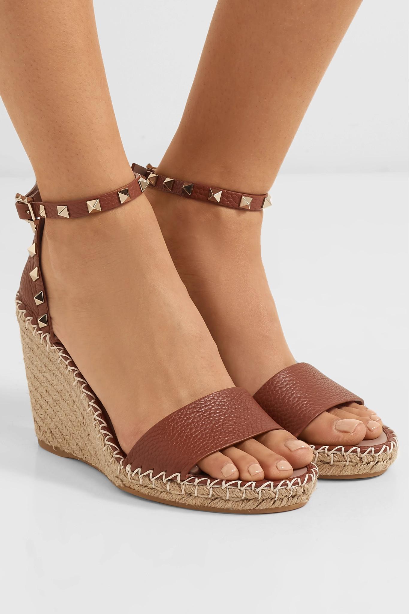 5b270d18f714 Valentino - Brown Garavani The Rockstud Textured-leather Espadrille Wedge  Sandals - Lyst. View fullscreen