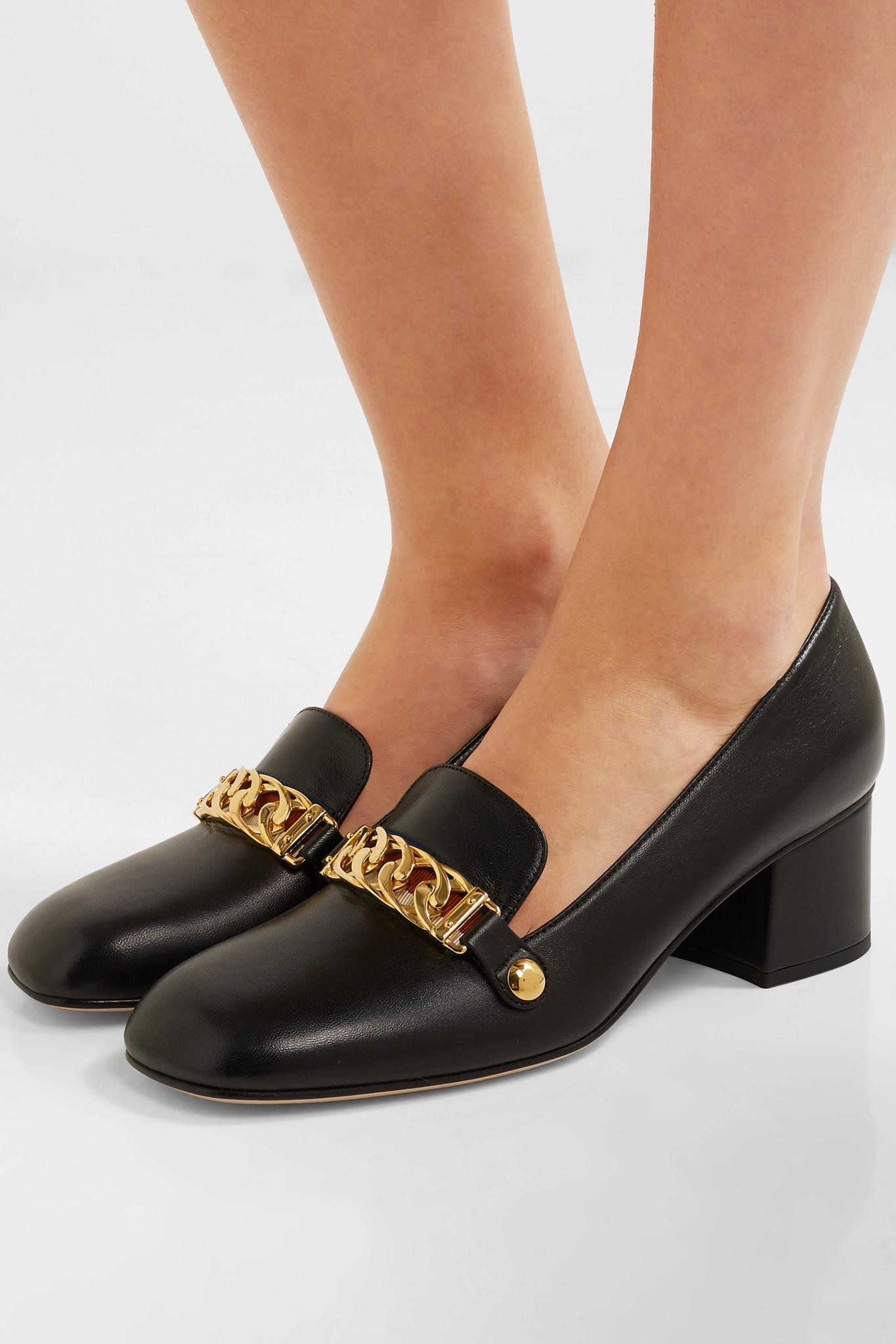 4f6ed3124f9 Gucci Sylvie Chain-embellished Leather Pumps in Black - Lyst