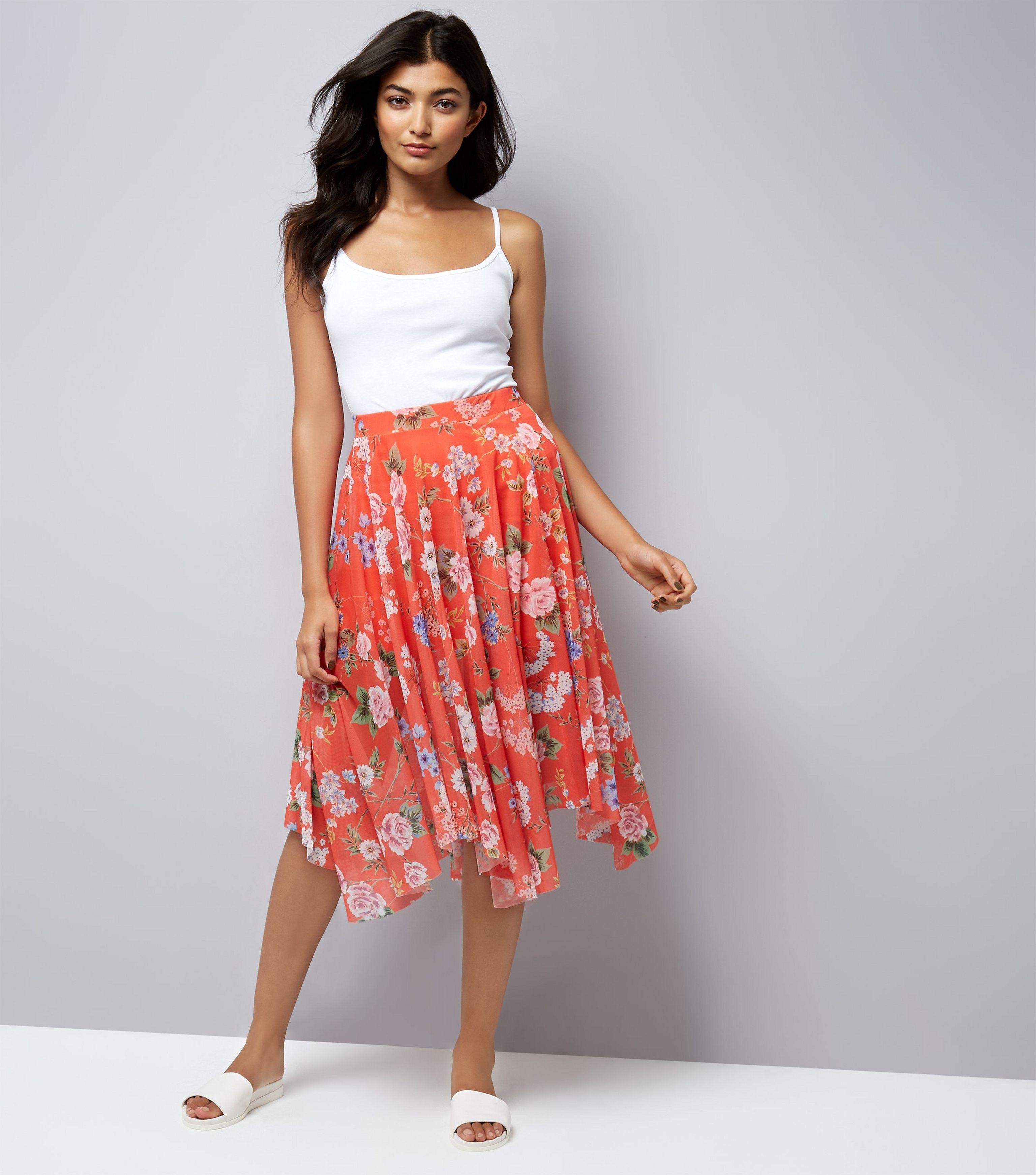 30dc1f4ec6 New Look Red Floral Print Mesh Hanky Hem Midi Skirt in Red - Lyst