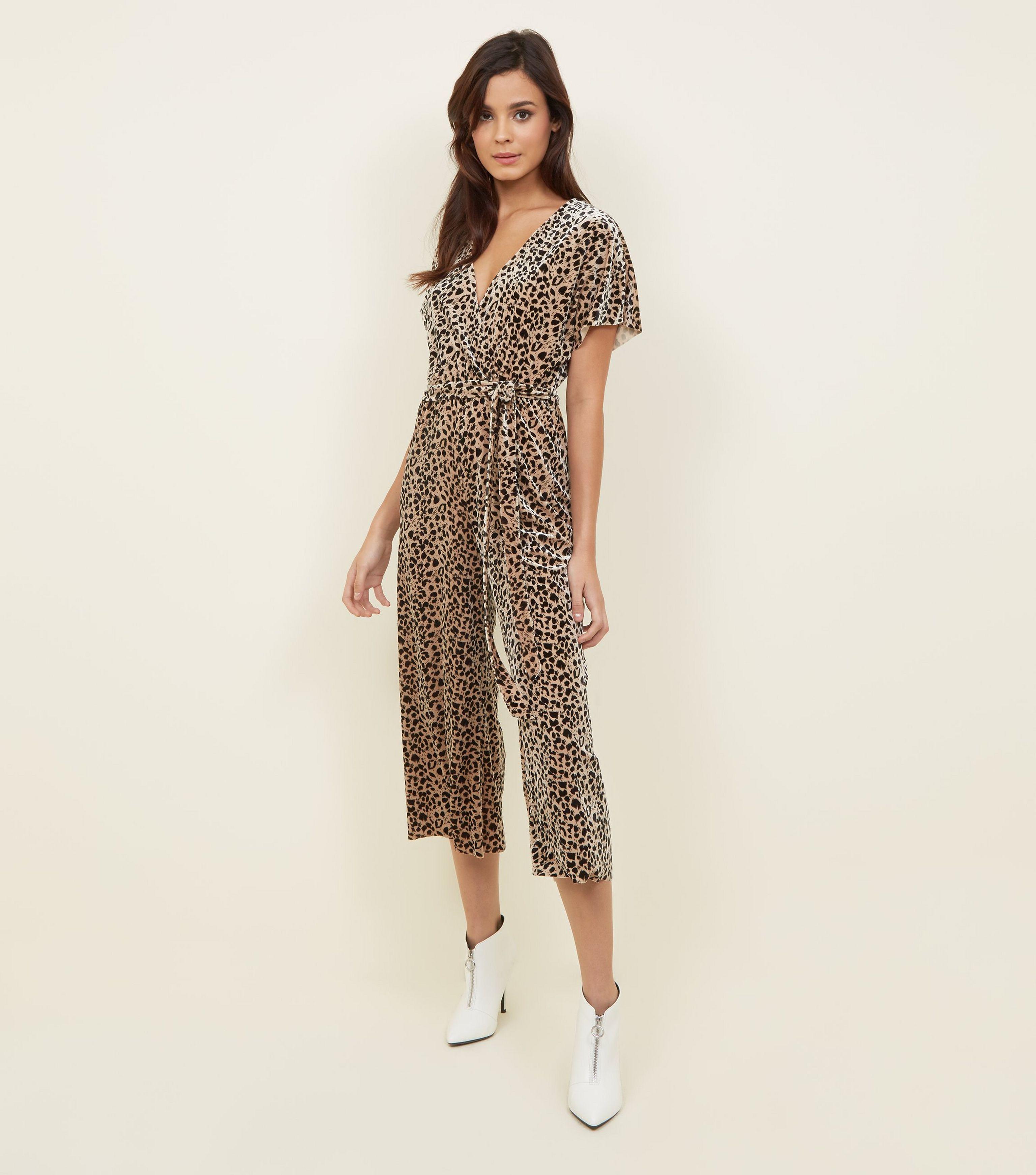 77134eab6107 New Look Brown Leopard Print Velvet Wrap Front Jumpsuit in Brown - Lyst