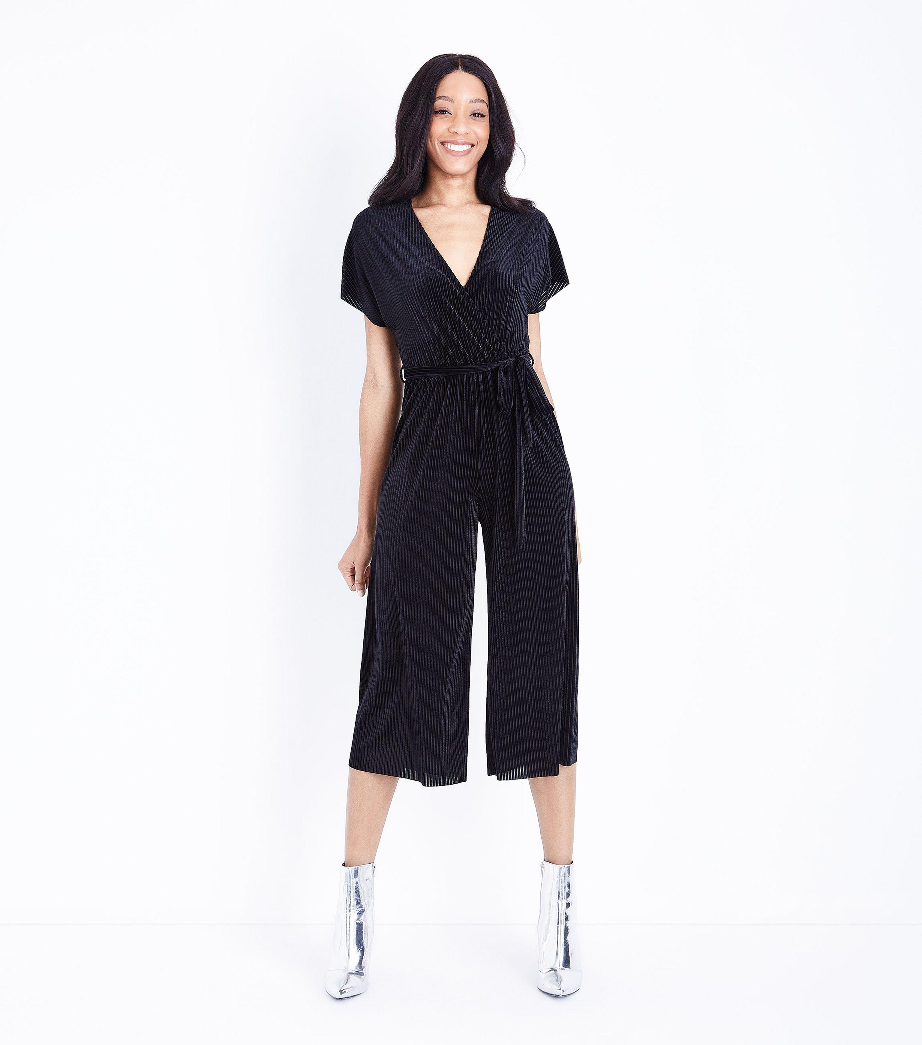 46495b8a9d4 New Look Black Ribbed Velvet Wrap Front Jumpsuit in Black - Lyst
