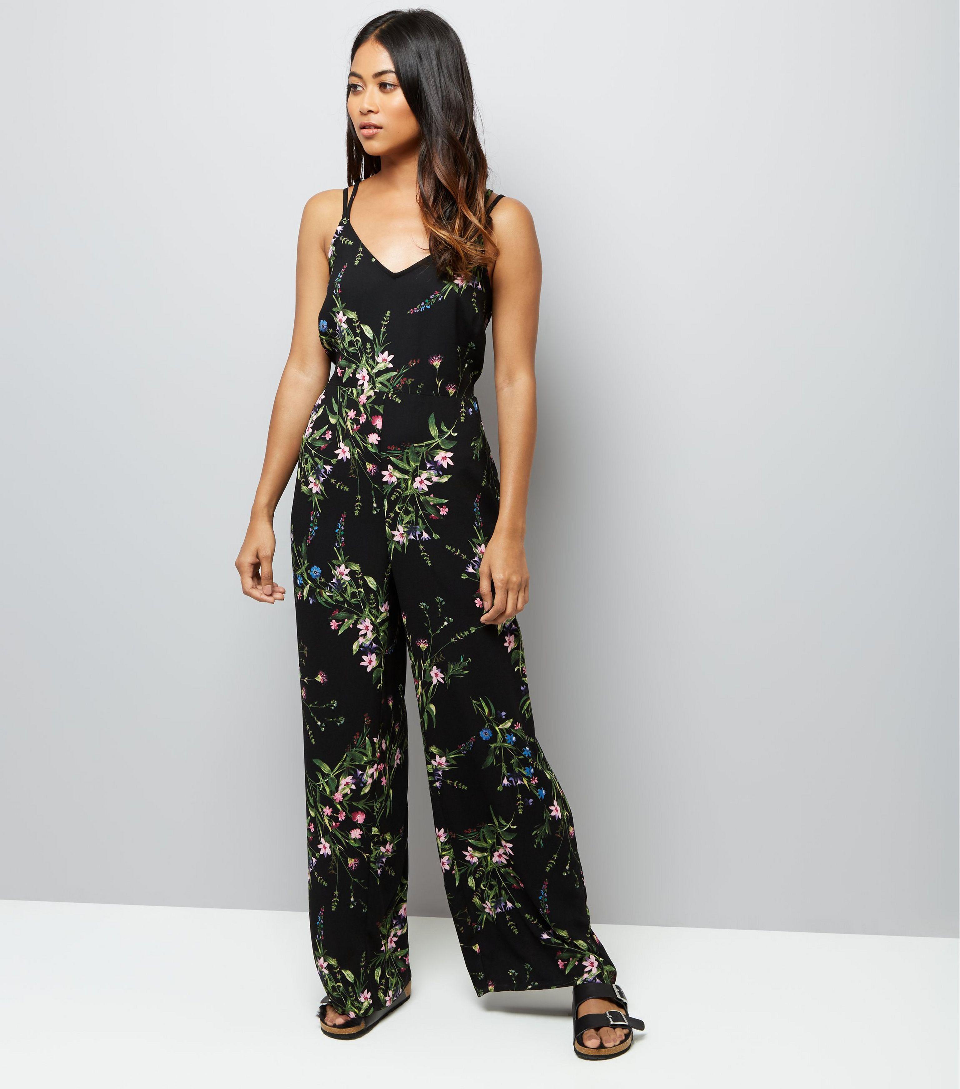 635dab8e7a New Look Petite Black Floral Print Wide Leg Jumpsuit in Black - Lyst