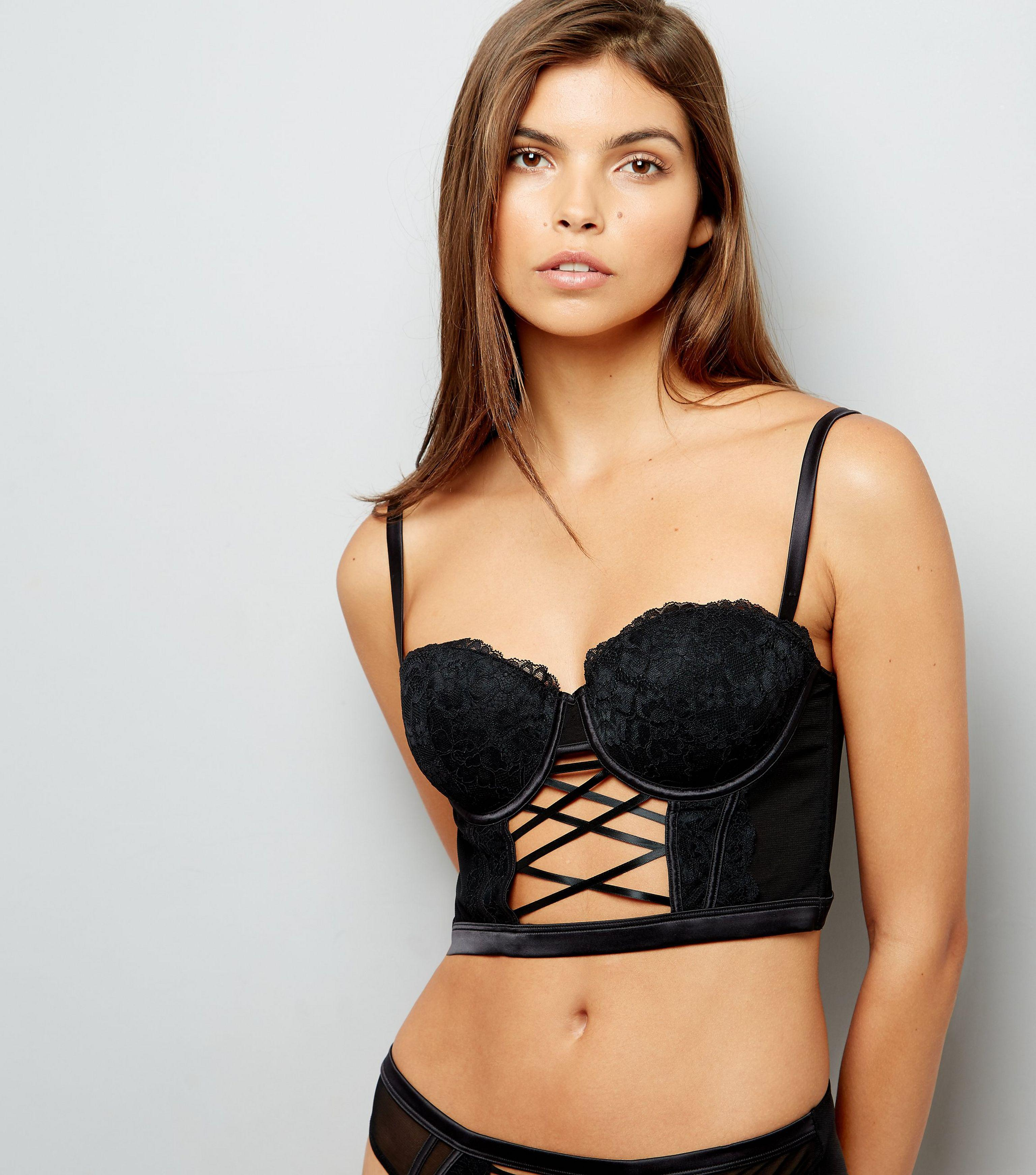 ed652cc4a639c8 New Look Black Lace Lattice Front Longline Bra in Black - Lyst