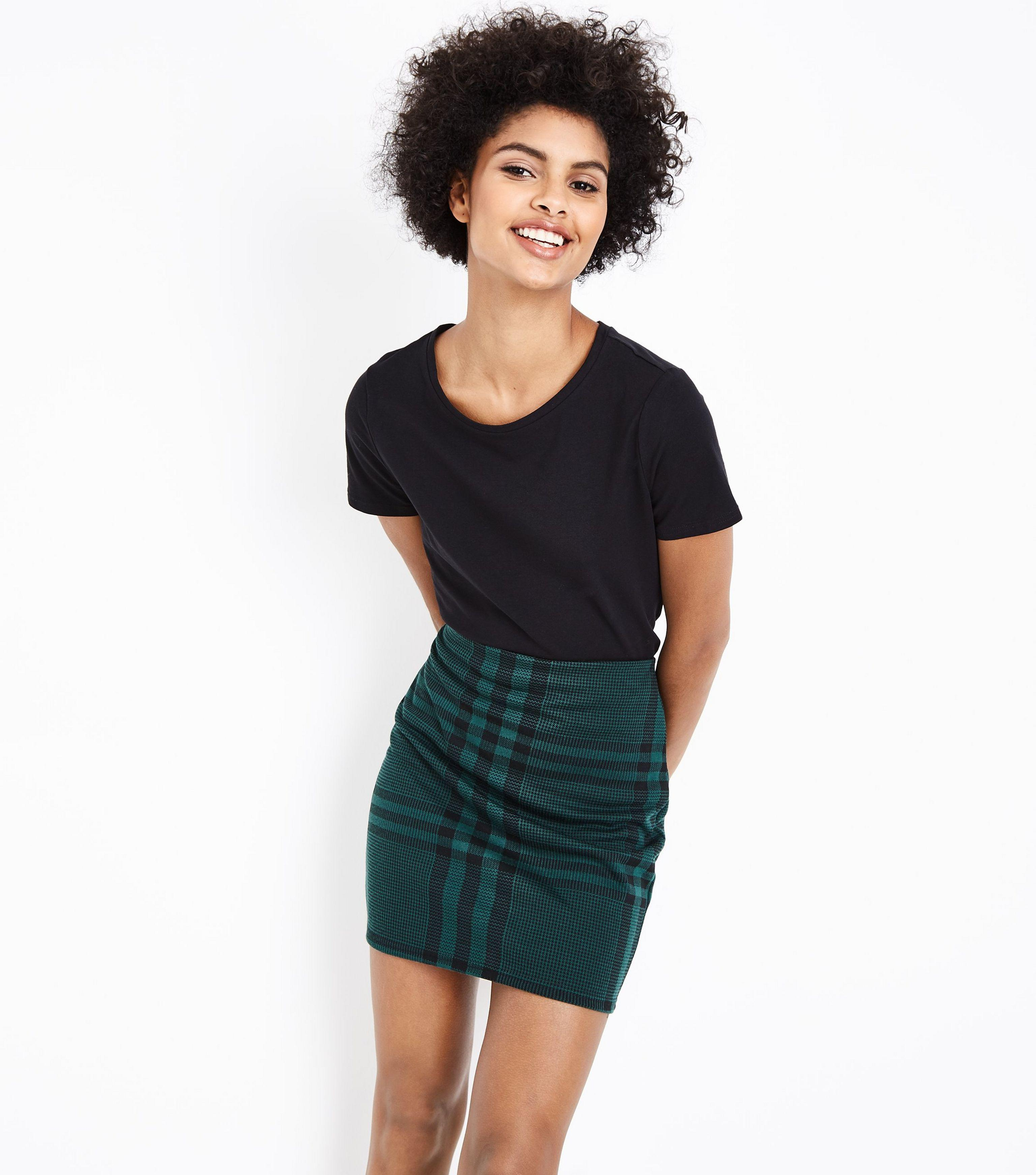 e1b8665ba6 New Look Dark Green Wide Check Jersey Tube Skirt in Green - Lyst