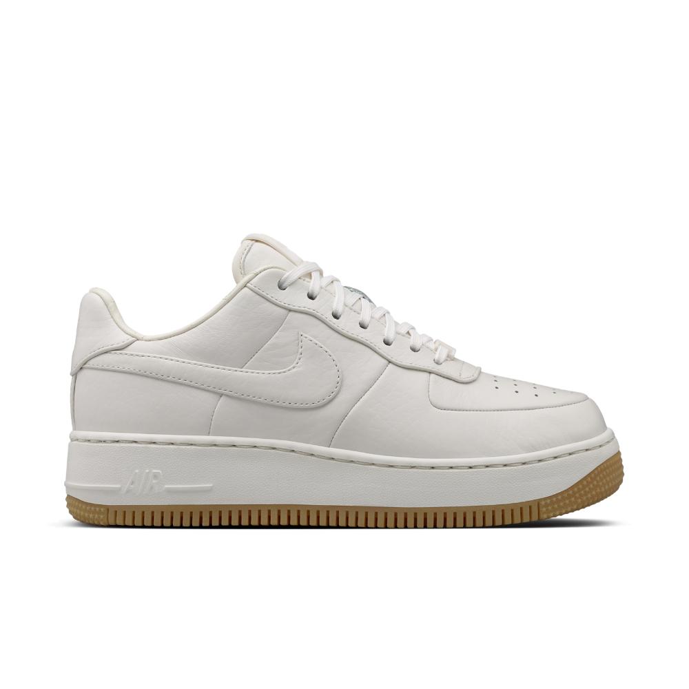 1c490855fb3f Shoe Force In Upstep Lab Nike Lyst White Women s Air 1 Rq40nwft