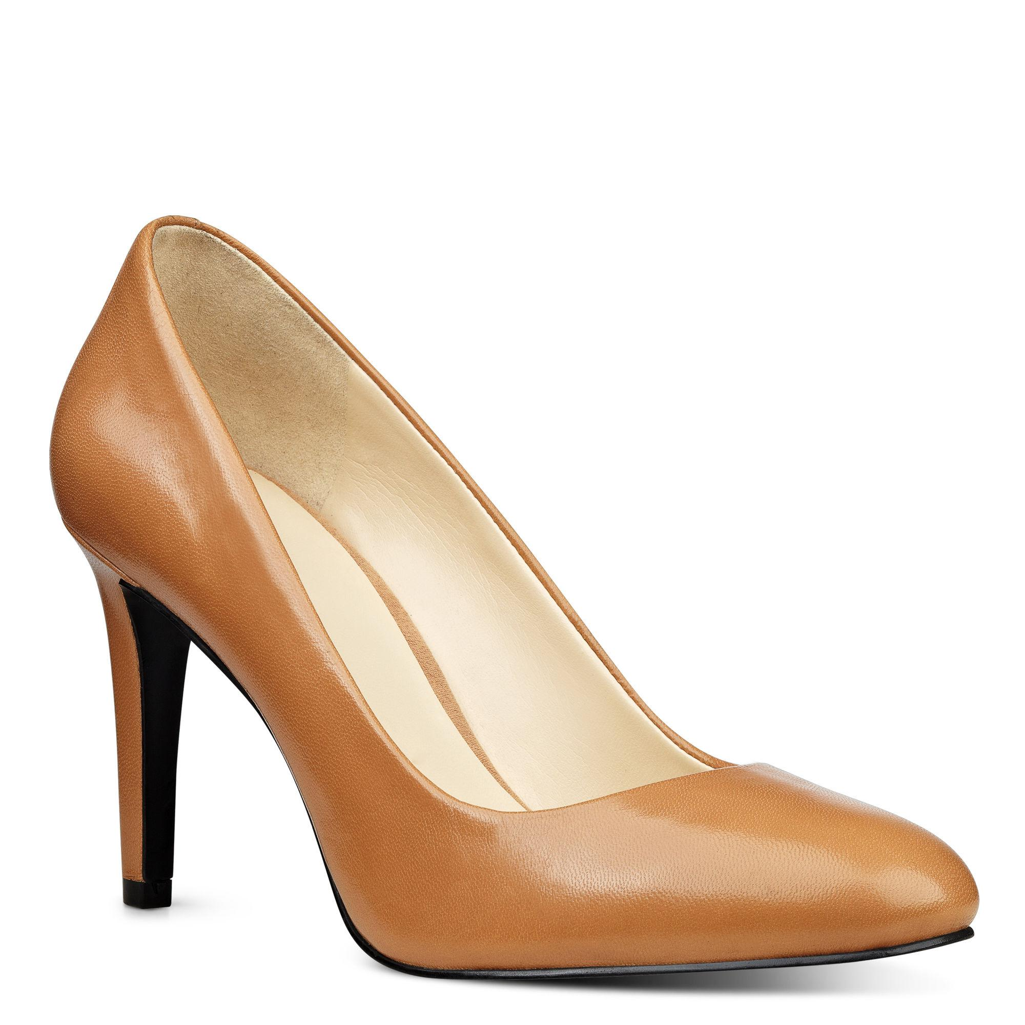 Nine West. Women's Handjive Round Toe Pumps