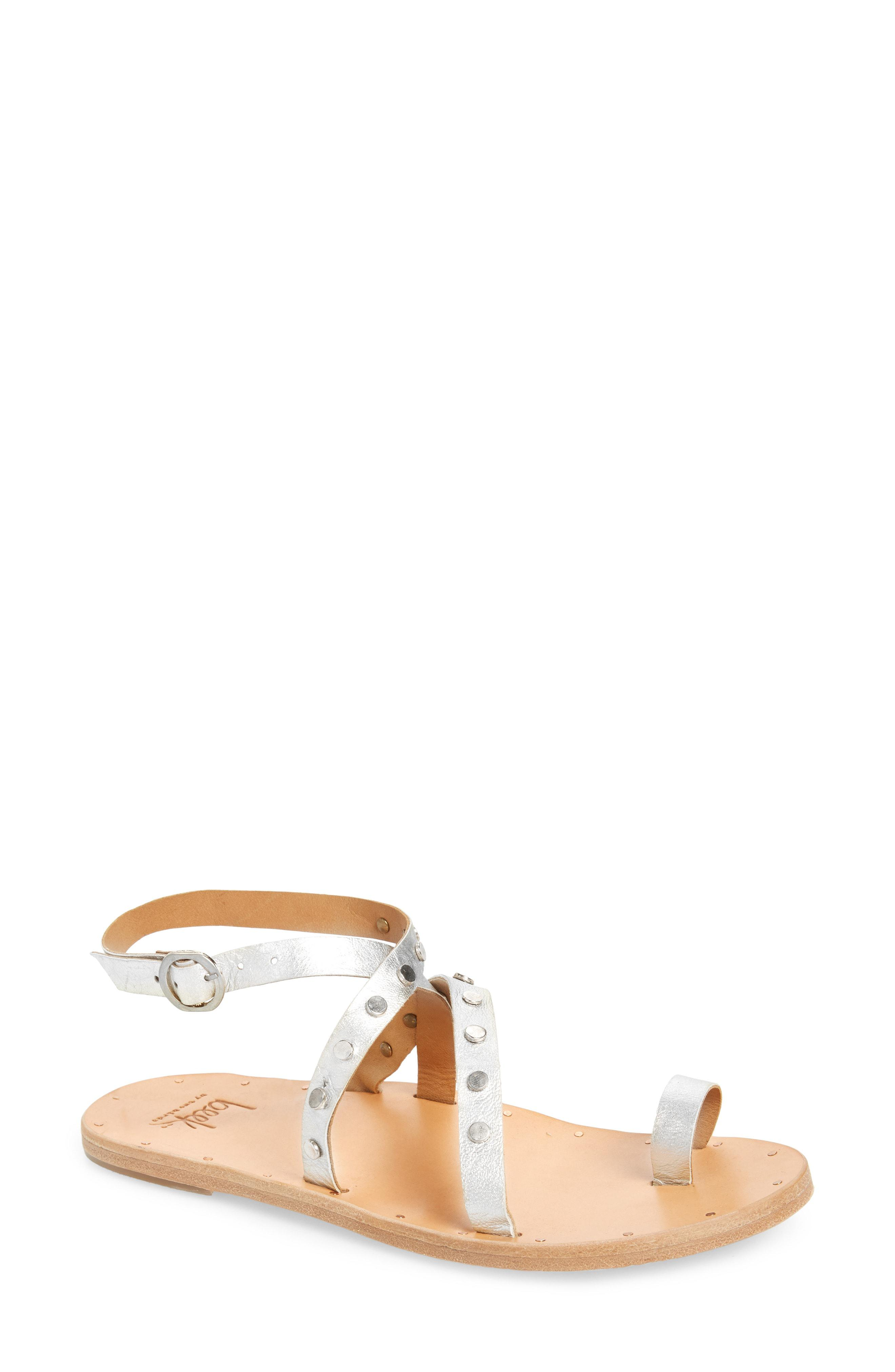 8952ce08ba4b Beek Lorikeet Studded Strappy Flat Sandal in Natural - Lyst