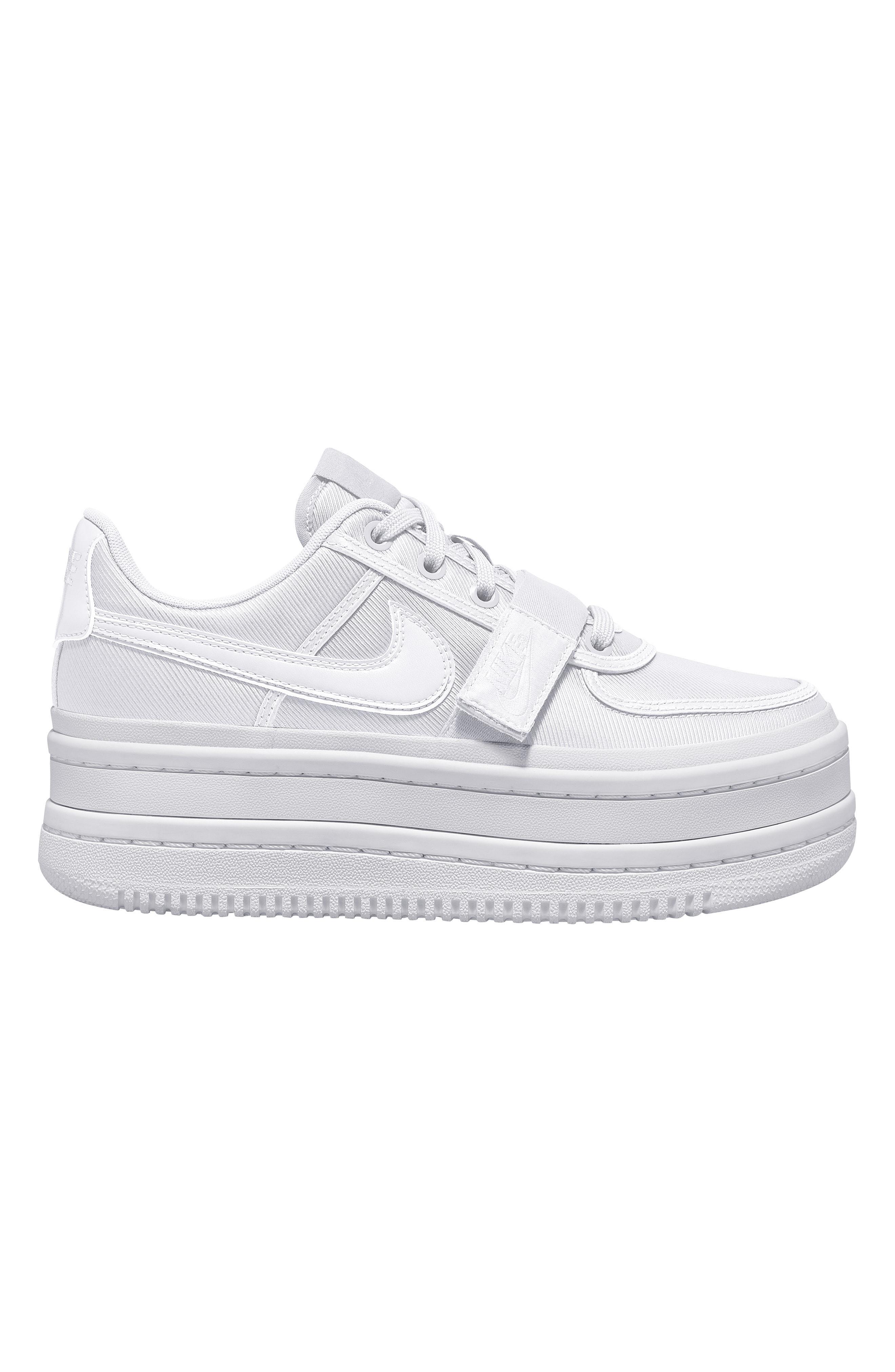 outlet store f1d54 6becc Nike Vandal 2k Sneaker in White - Lyst