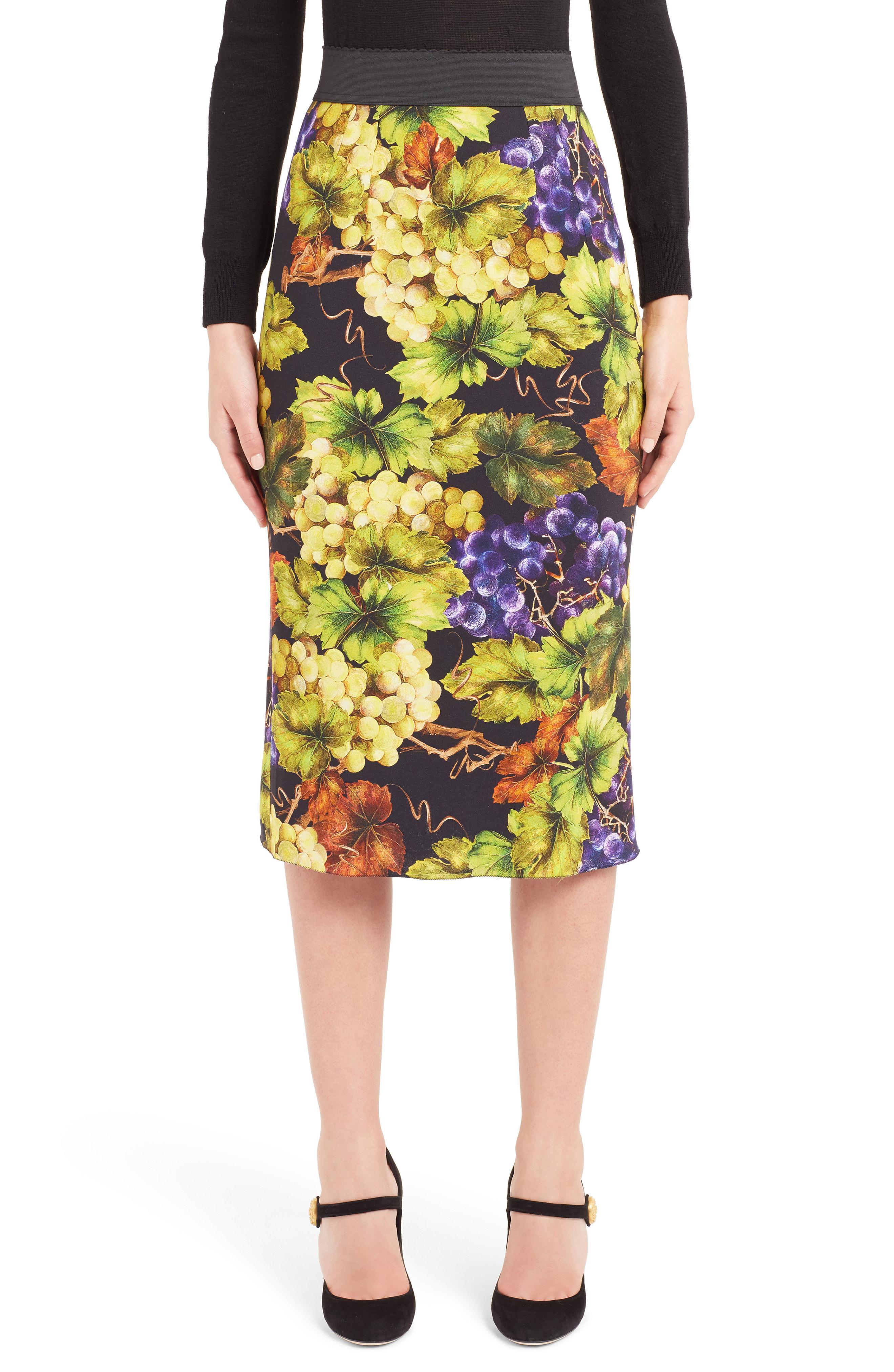 1b15d91e32 Dolce & Gabbana Grape Print Pencil Skirt in Black - Lyst