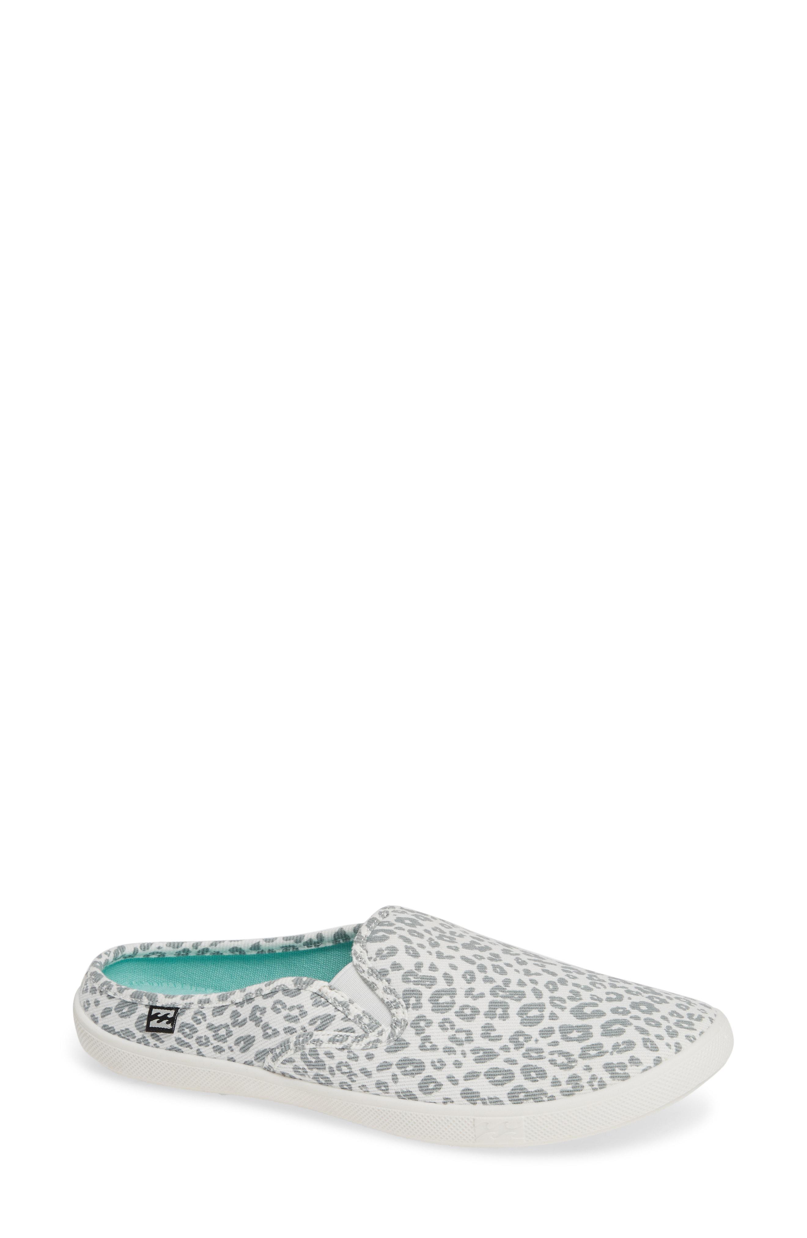 53bf571d01 Women's Gray Be Free Sneaker Mule