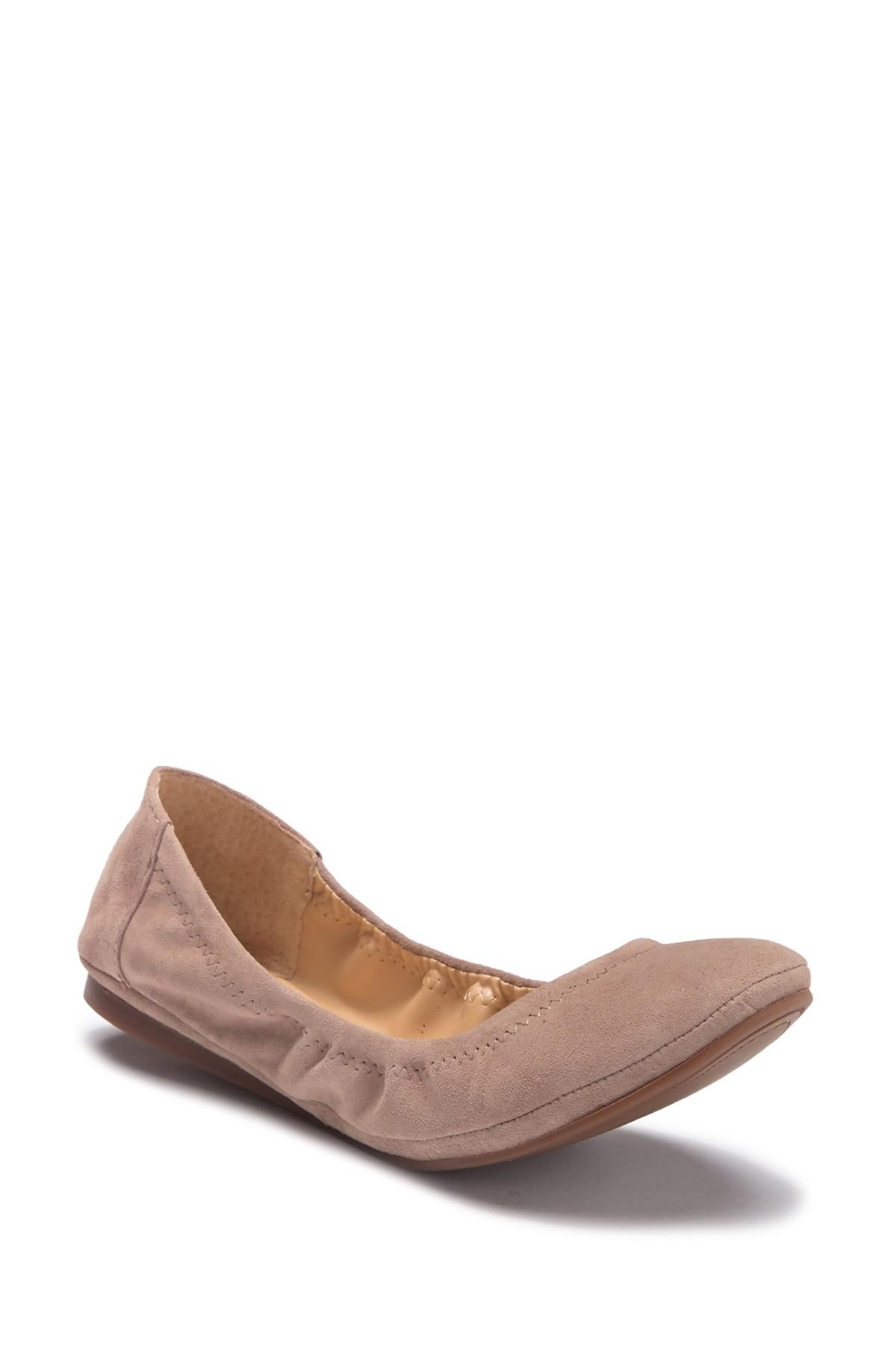 d6ee385f5f0 Lyst - Vince Camuto Ellen Round Toe Leather Flat in Brown