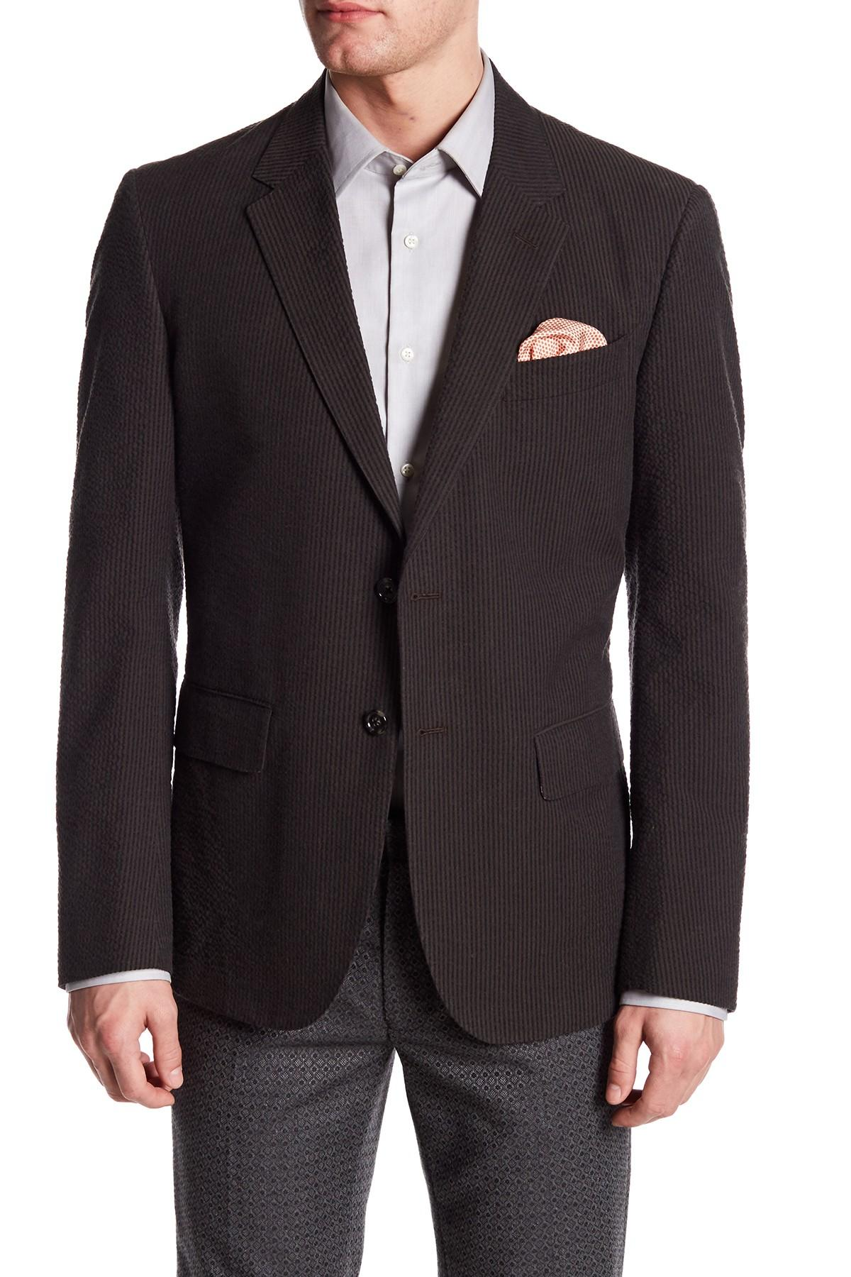 High-quality cotton, linen, silk and wool fabrics give our men's sport coats a premium look and feel combined with durable quality. We offer sport coats on sale in multiple jacket and vent styles, along with plenty of sizing options to perfectly fit your build.