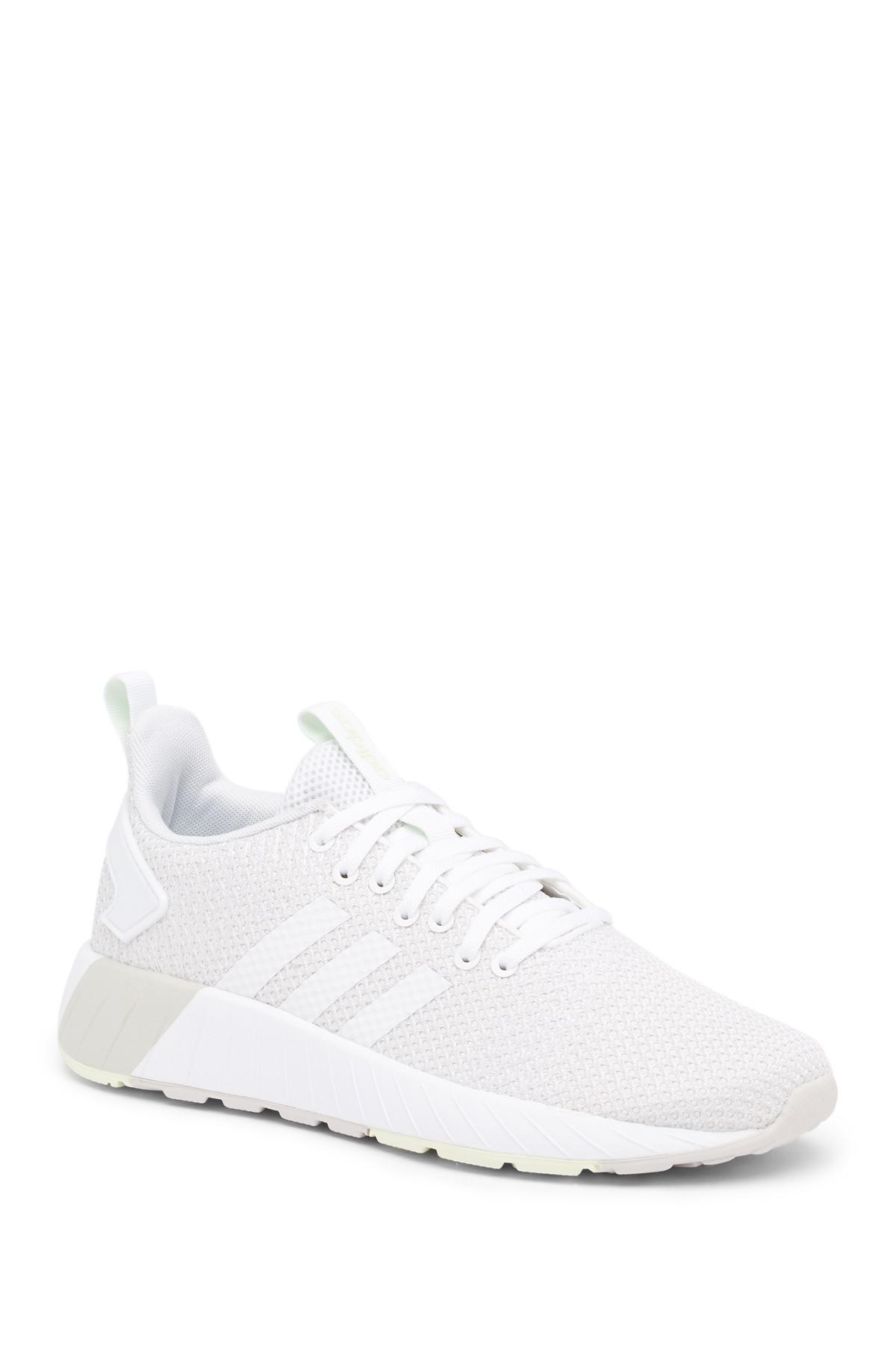 Lyst adidas da questar da scarpe da adidas ginnastica in bianco. ab7347